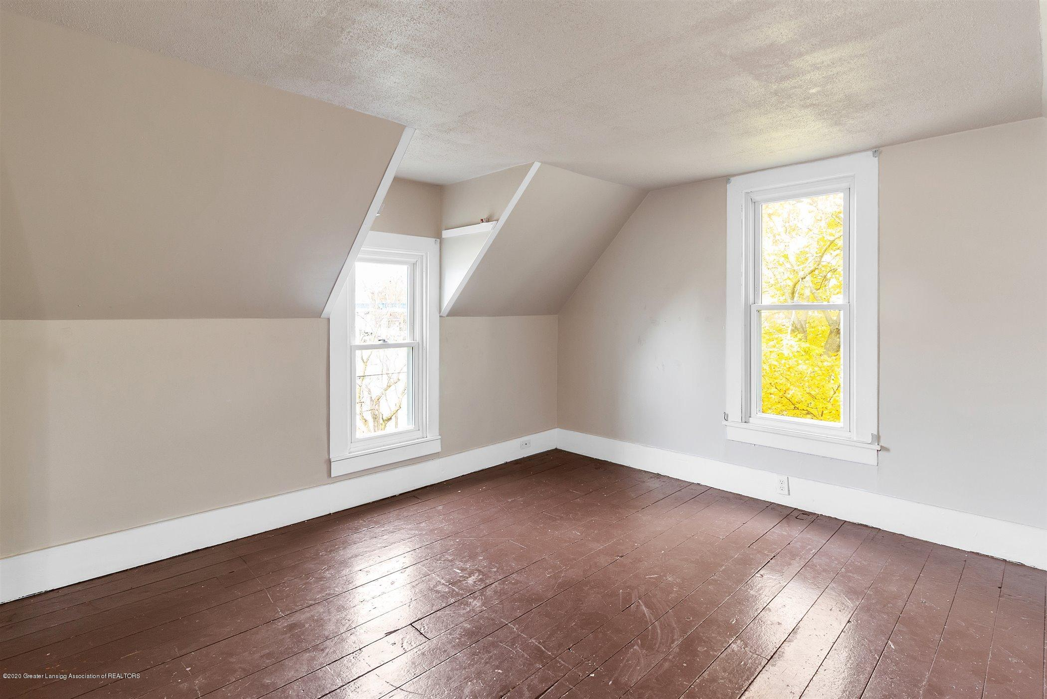 114 E Knight St - Upstairs Bedroom #2 - 24
