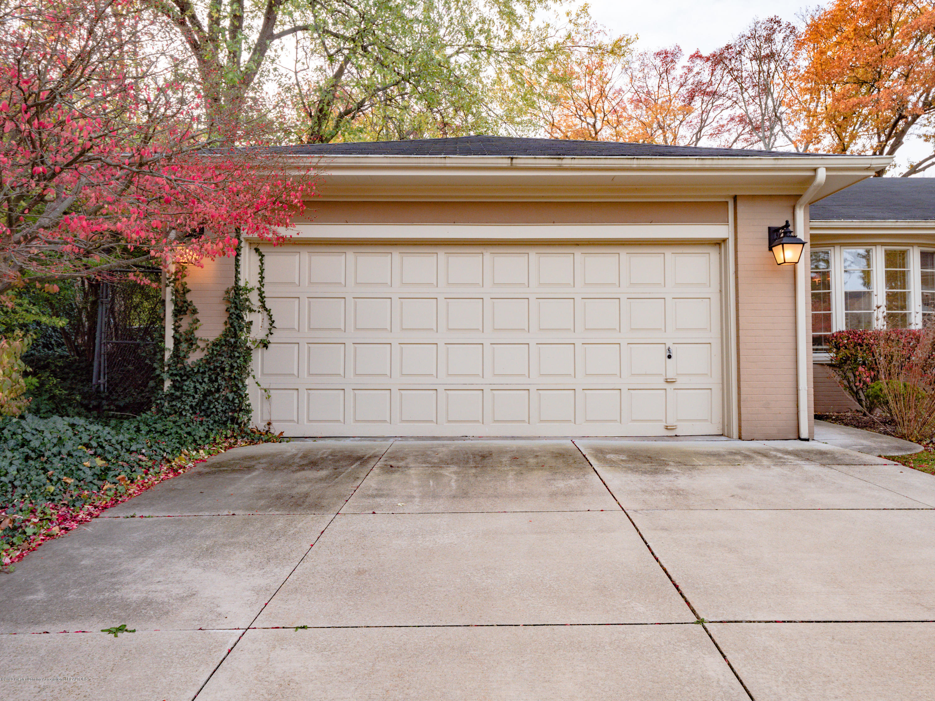 553 Southlawn Ave - 553_Southlawn_Ave-4 - 41