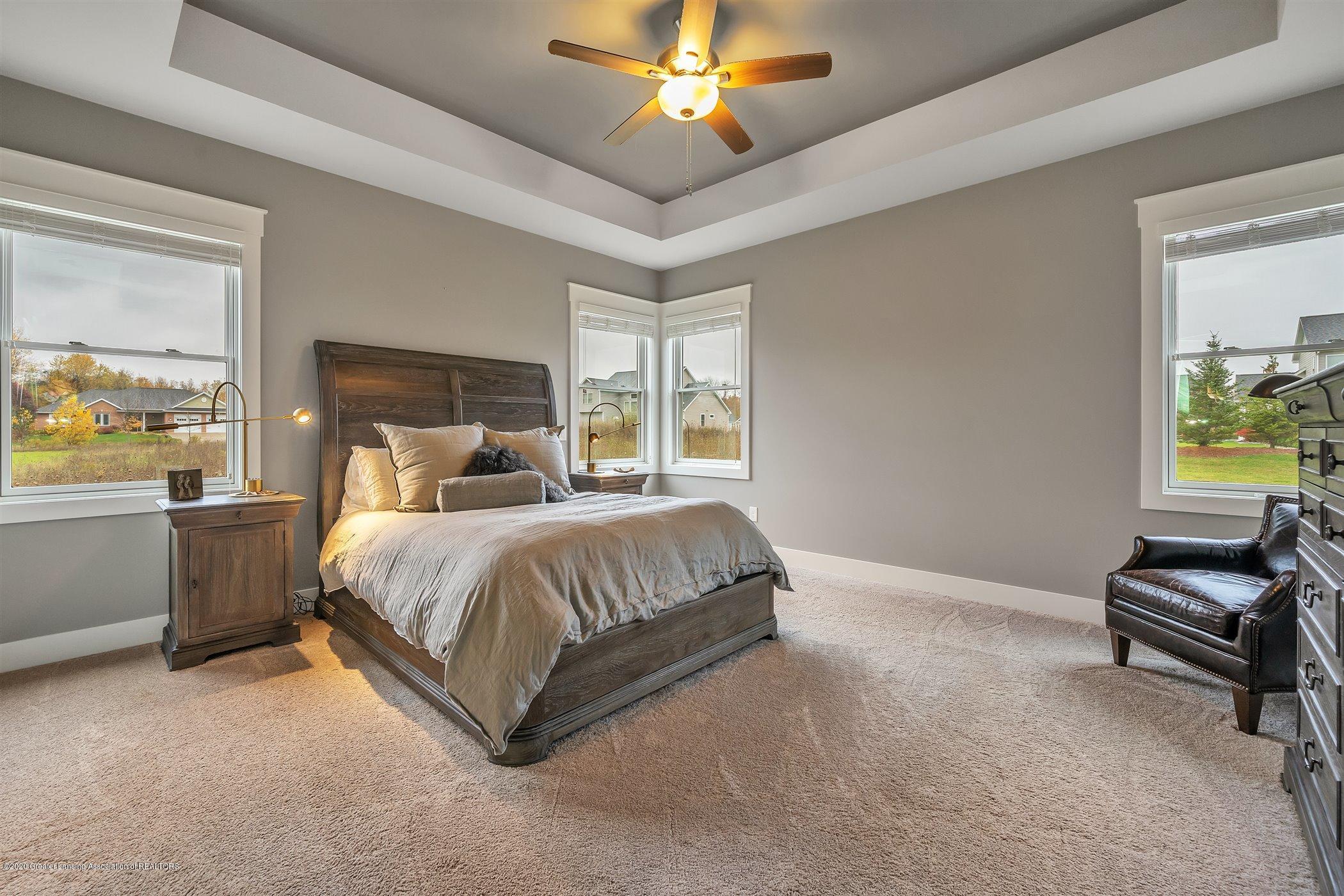 6090 Sleepy Hollow Ln - (20) MAIN FLOOR Master Bedroom - 21