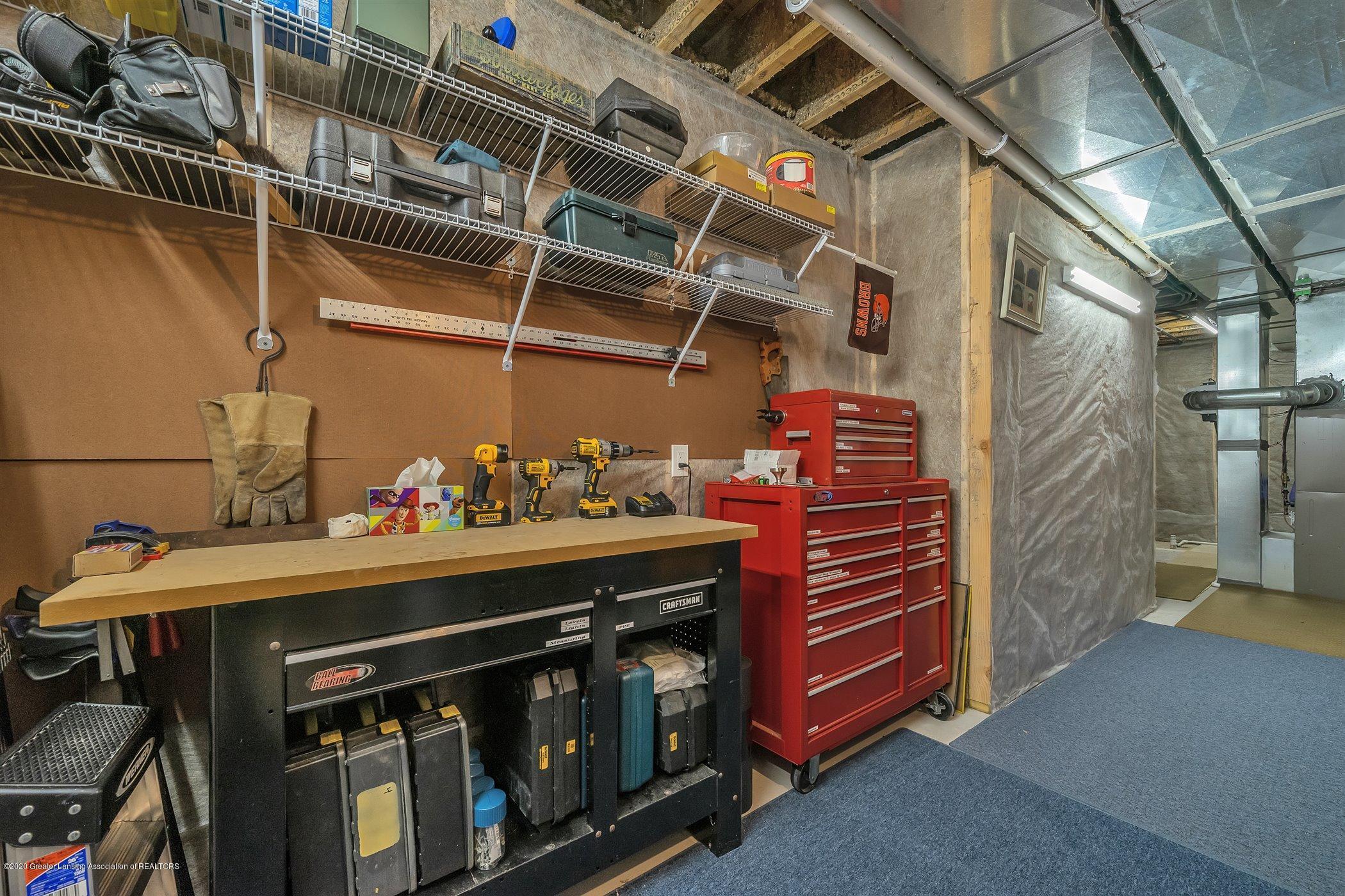 6090 Sleepy Hollow Ln - (39) LOWER LEVEL Work Space Storage - 40