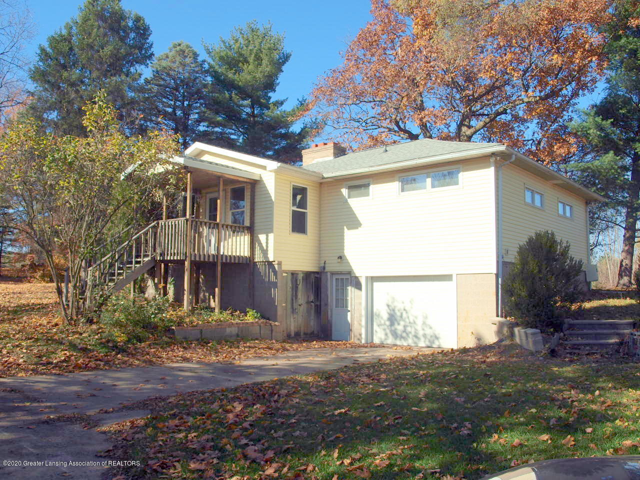 4987 Sunset Dr - lake side view - 1