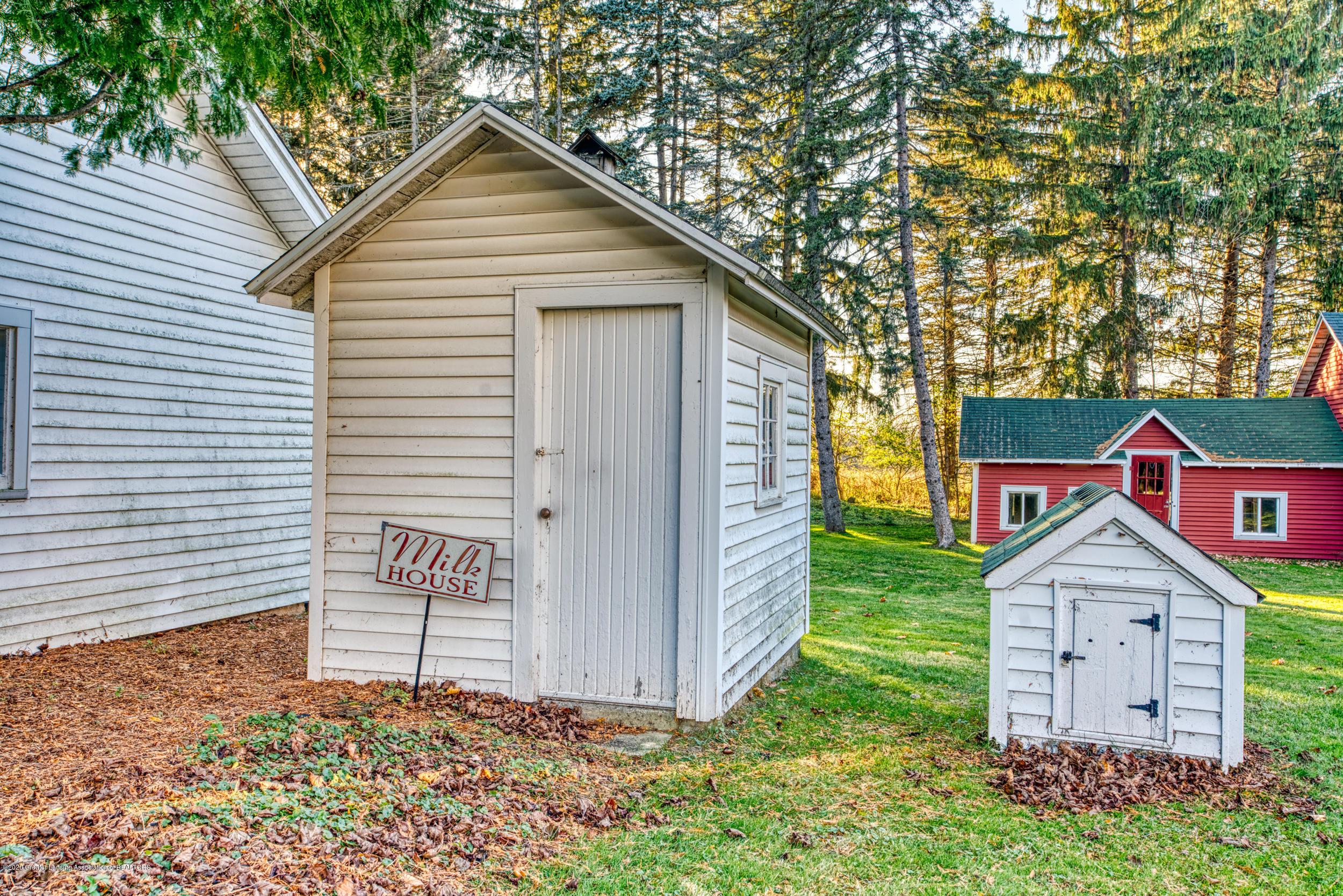 4275 Dobie Rd - MILK HOUSE - 49