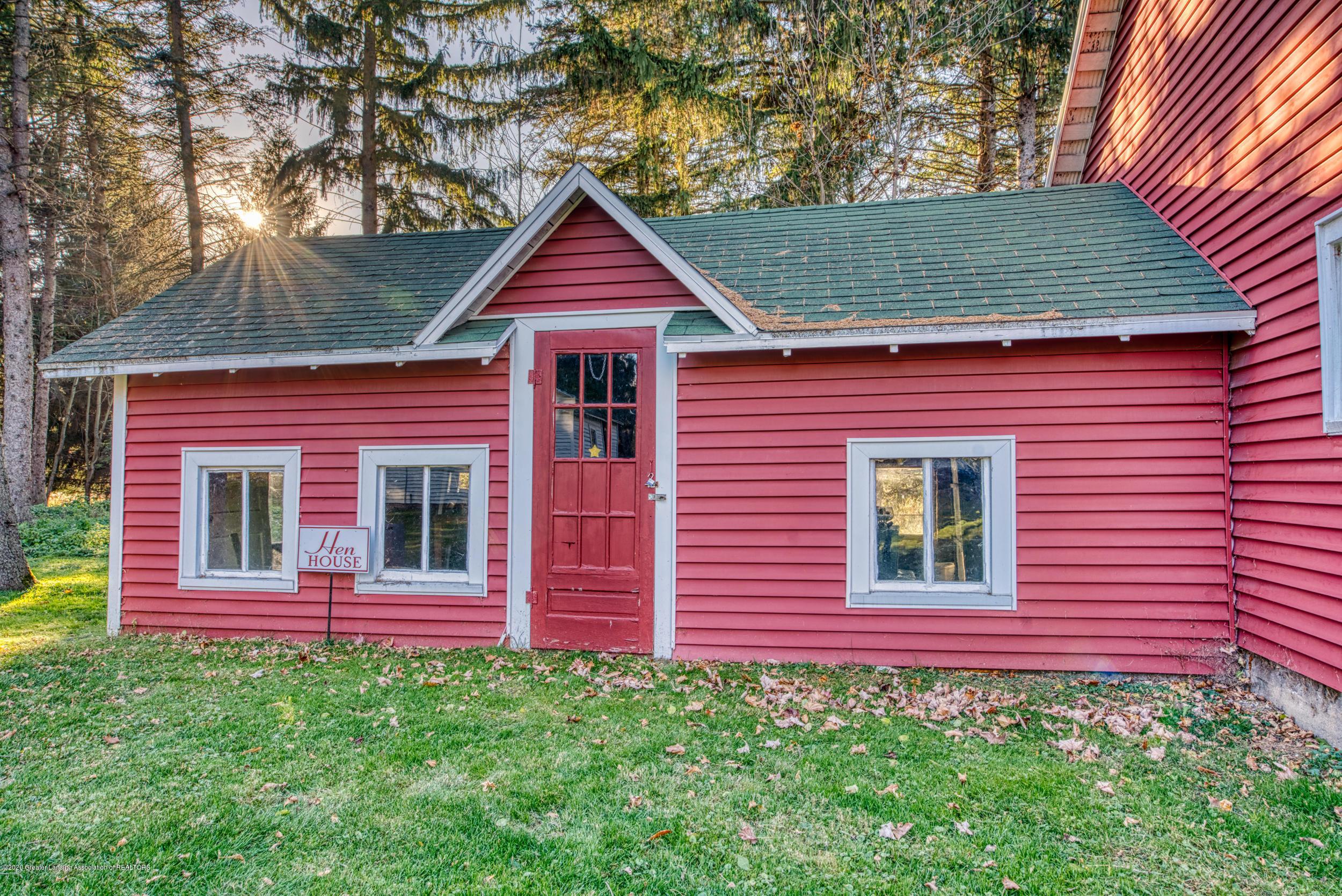 4275 Dobie Rd - HEN HOUSE - 47