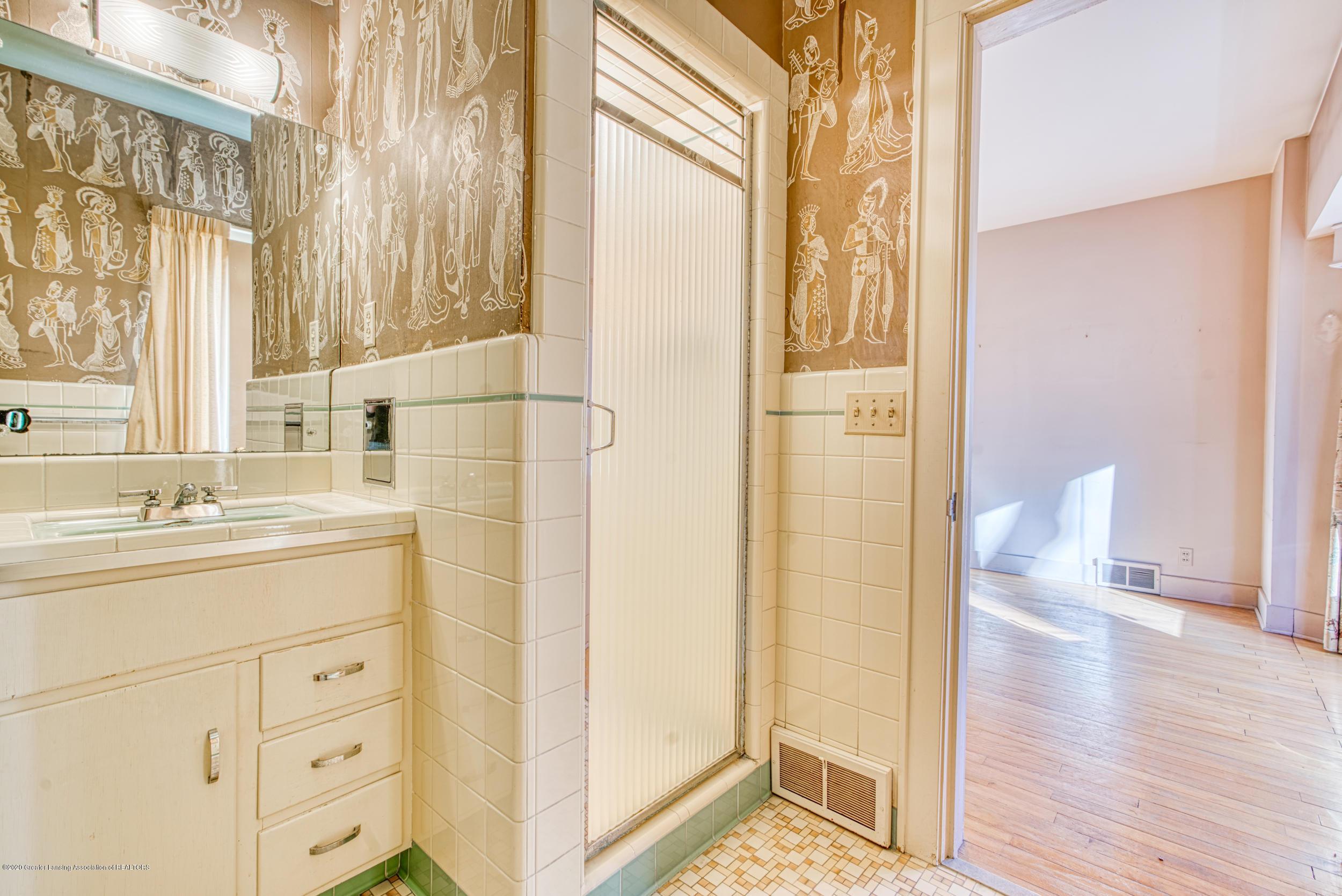 4275 Dobie Rd - FULL BATHROOM - 20