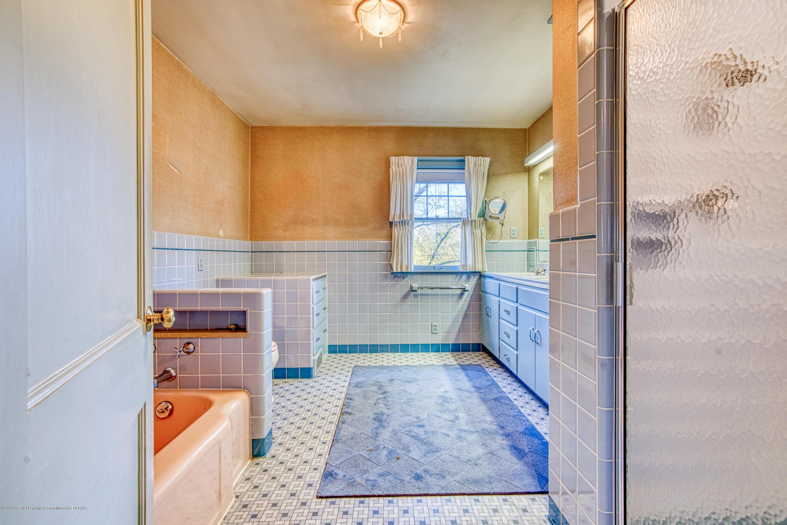 4275 Dobie Rd - FULL BATHROOM - 28