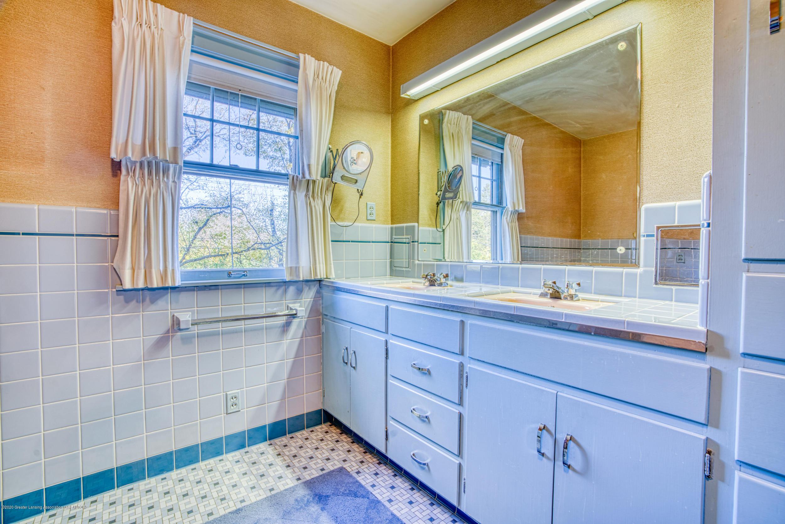 4275 Dobie Rd - FULL BATHROOM - 29