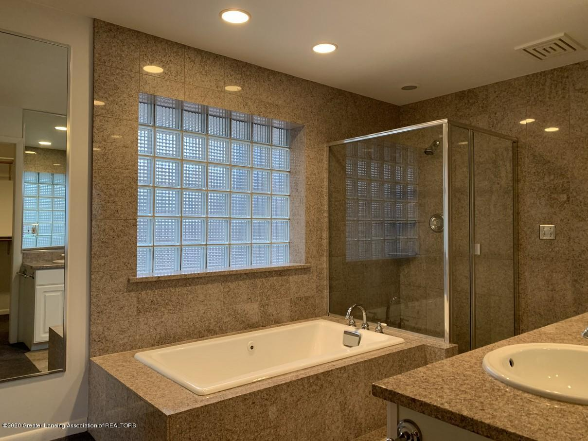 4461 Maumee Dr - IMG_5145 - 25