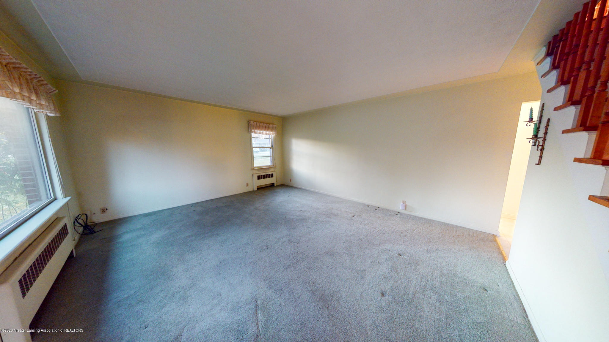 4538 Holt Rd - Living Room - 5