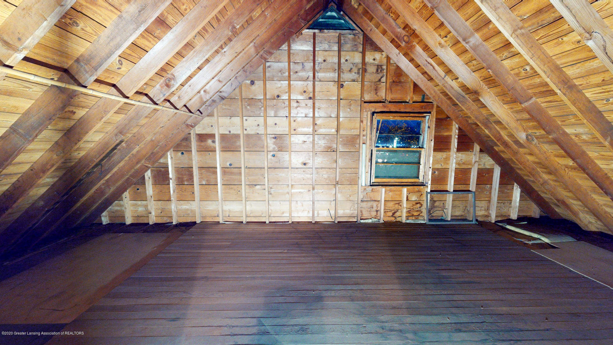 4538 Holt Rd - Upstairs attic - 11