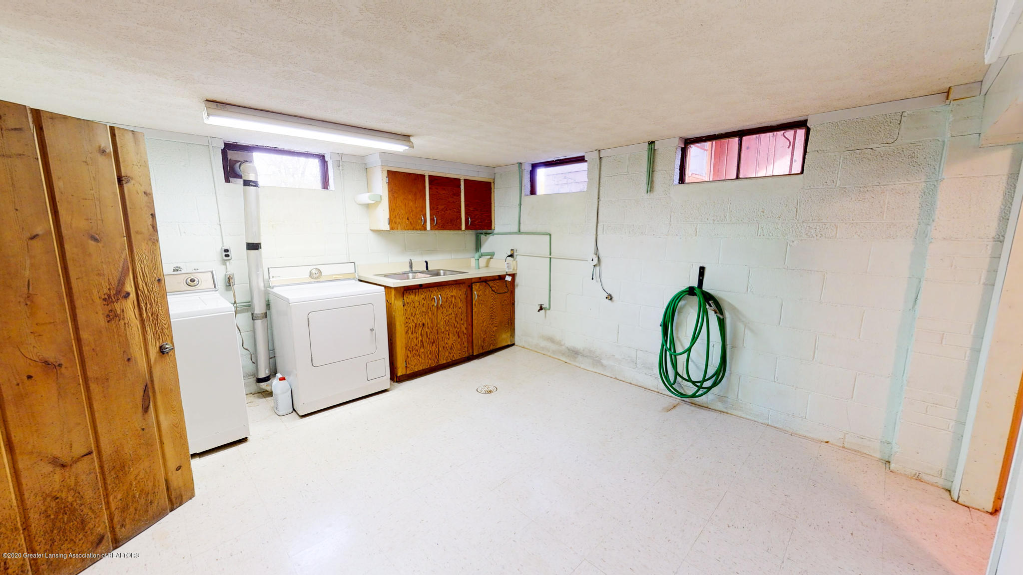 4538 Holt Rd - Basement laundry - 13