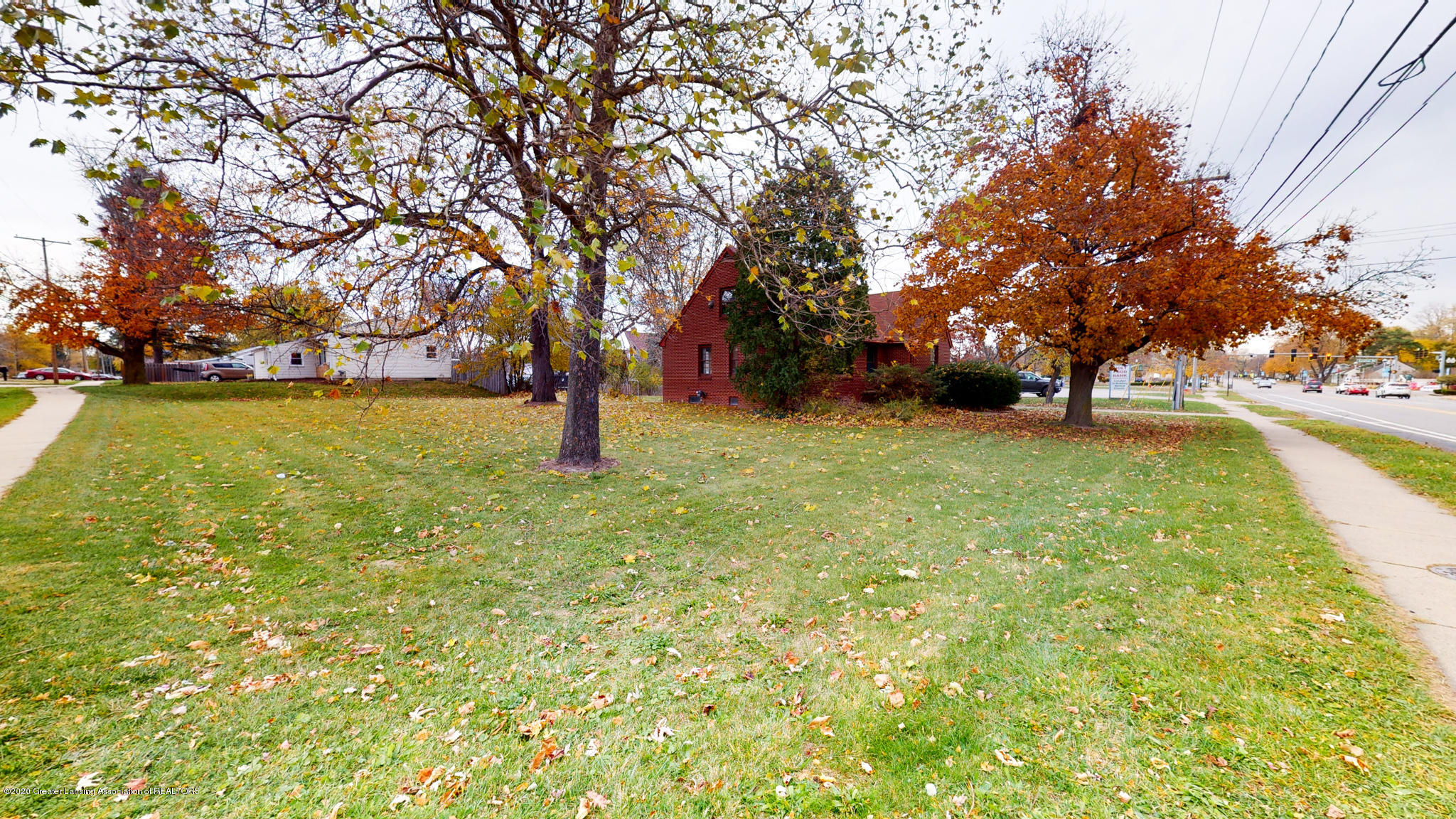 4538 Holt Rd - Side yard - 22
