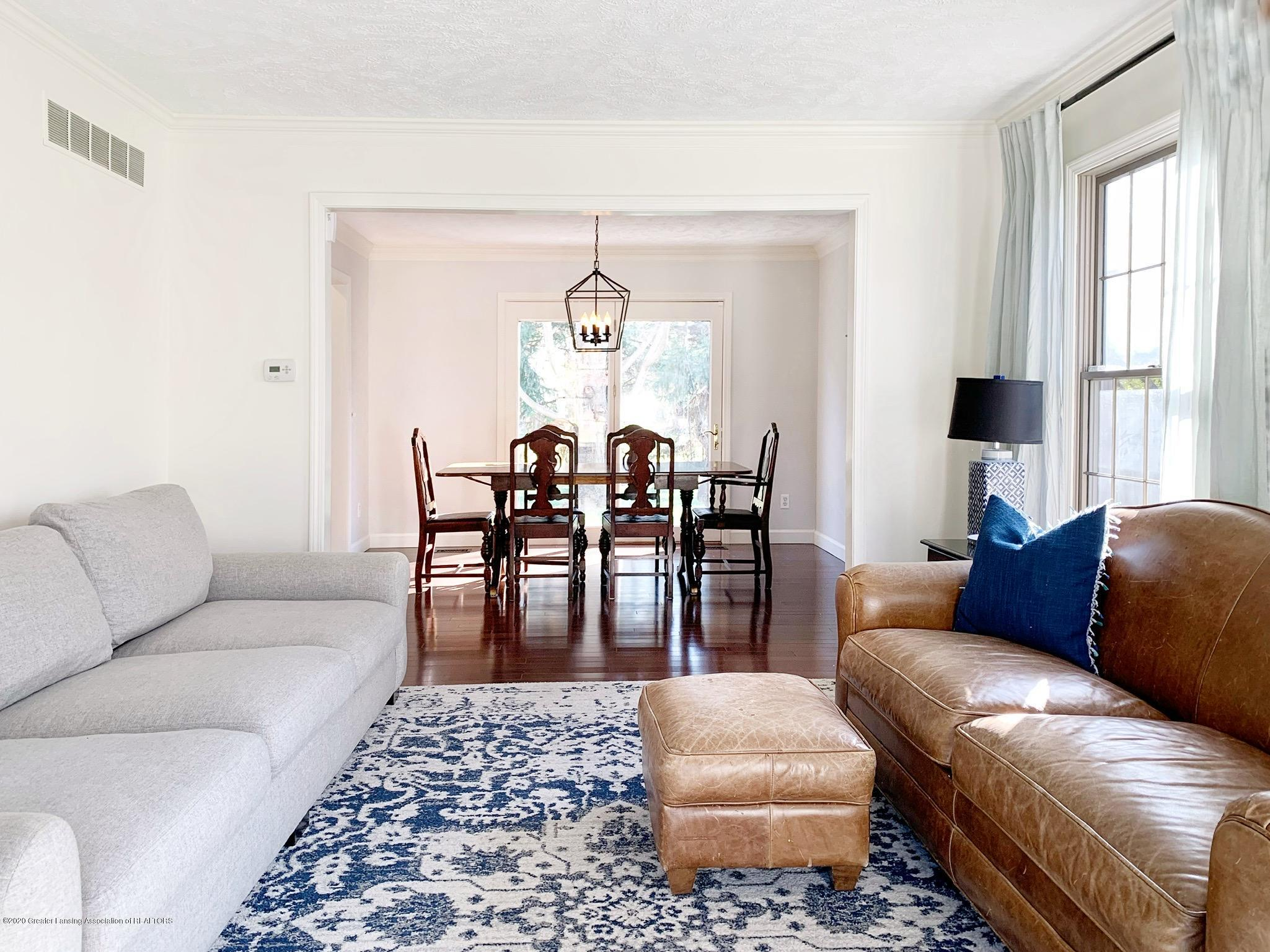2139 Woodfield Rd - Sitting Room - 8