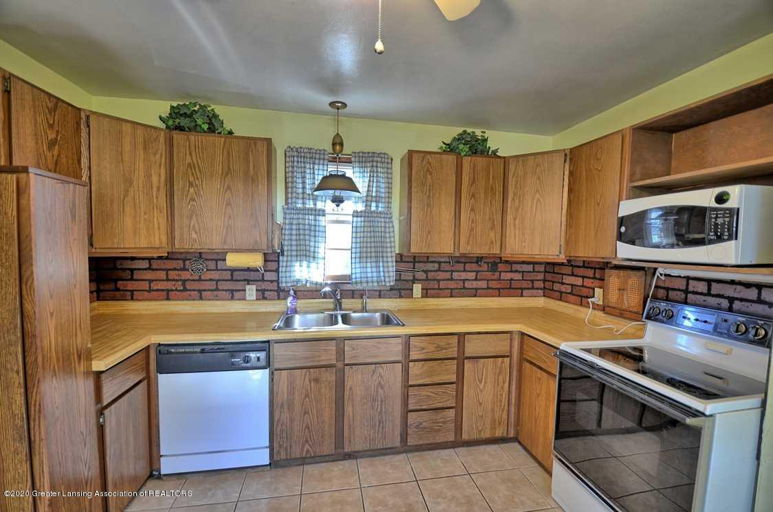 4874 Burt Ave - Kitchen - 8