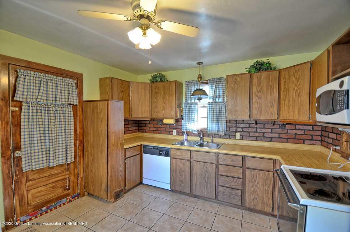 4874 Burt Ave - Kitchen - 7
