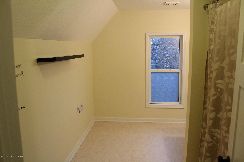 901 N Cochran Ave - 14 Bathroom level 2 - 14