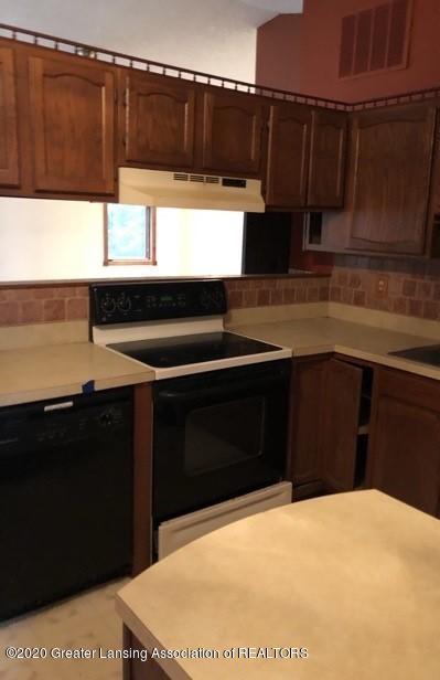 9349 Wilson Rd - Kitchen - 4