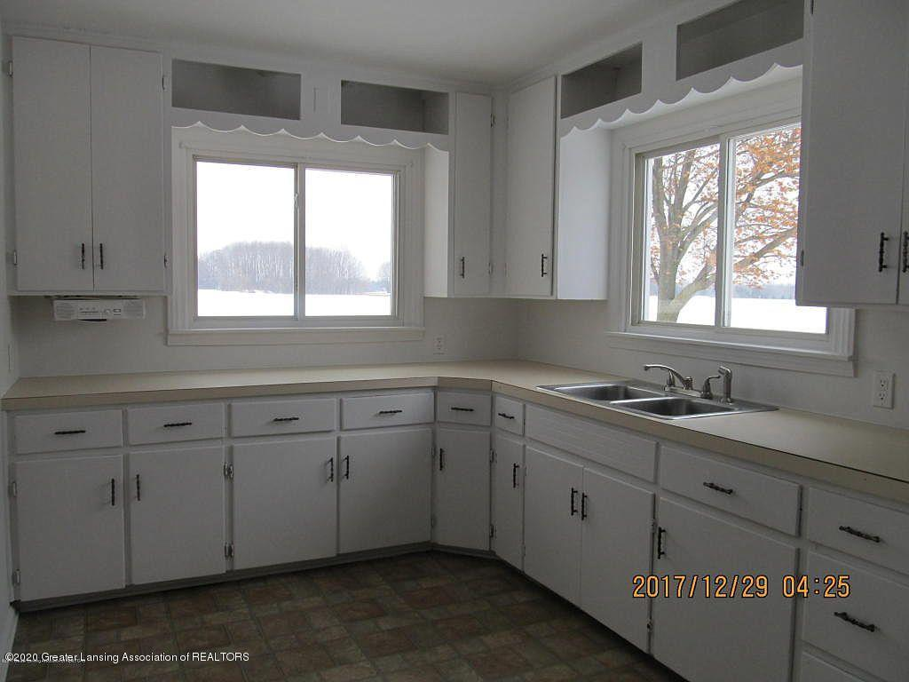 2450 N Krepps Rd - 2450 int 3 kitchen - 6