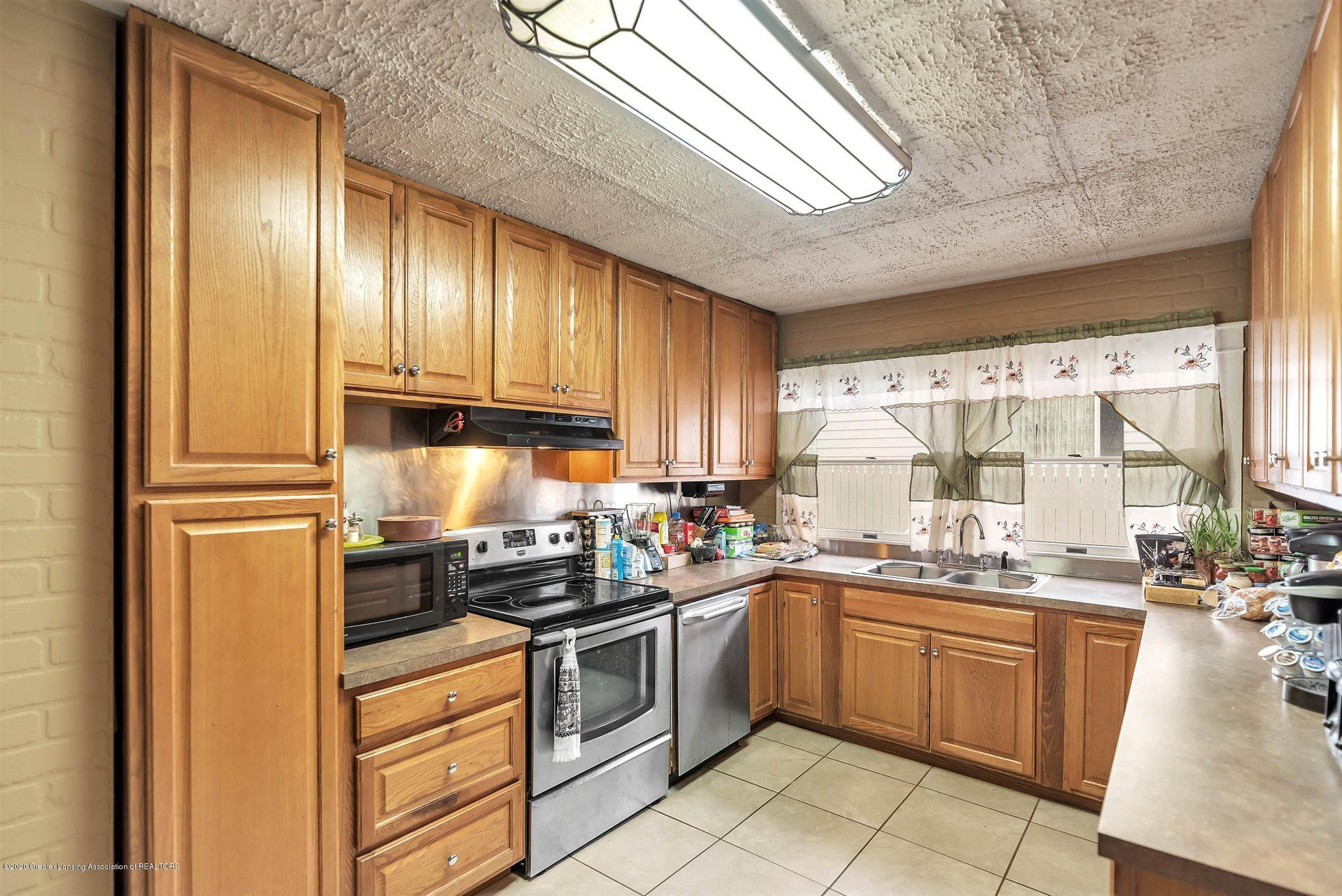 402 W Williams St - Kitchen - 15