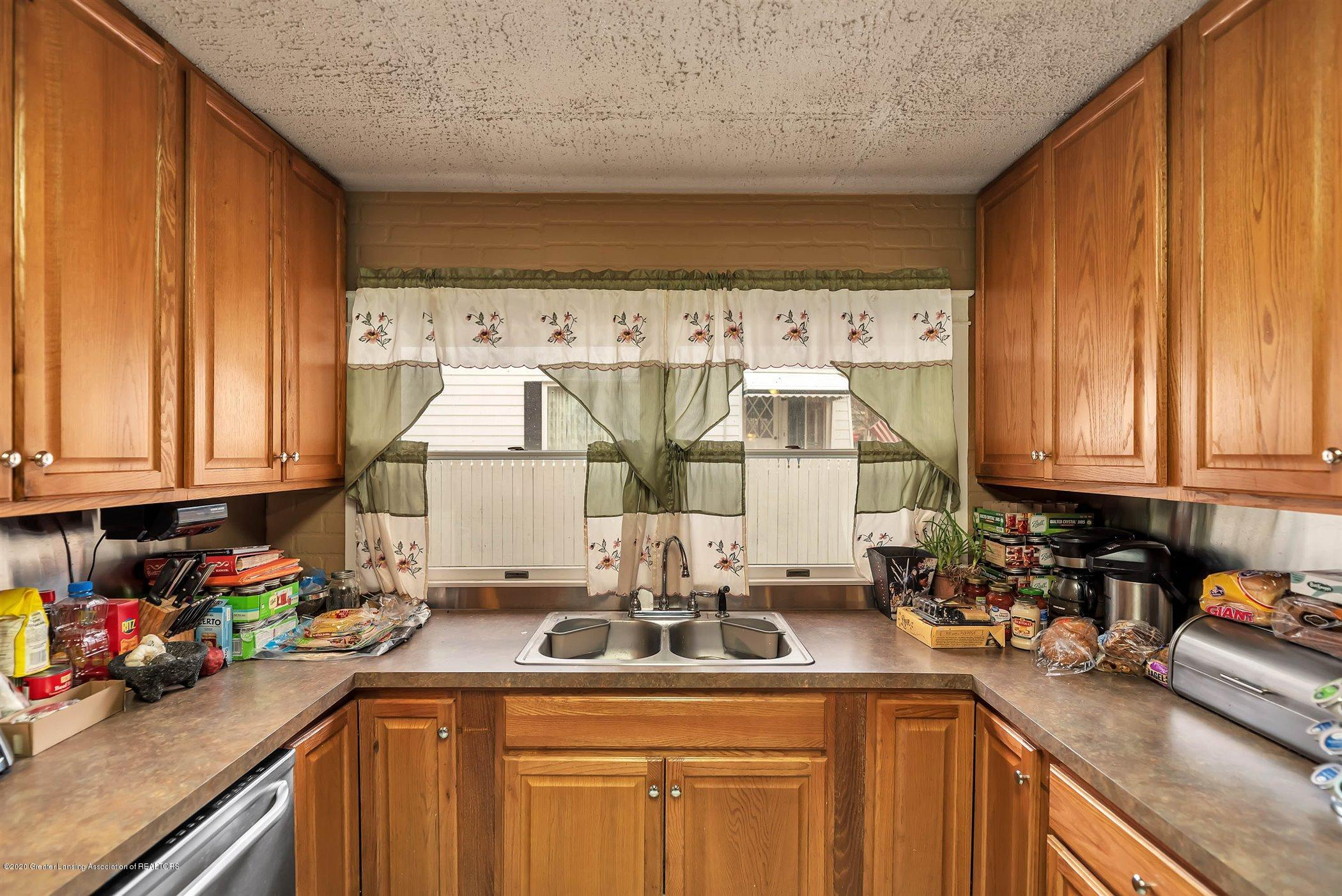 402 W Williams St - Kitchen - 17