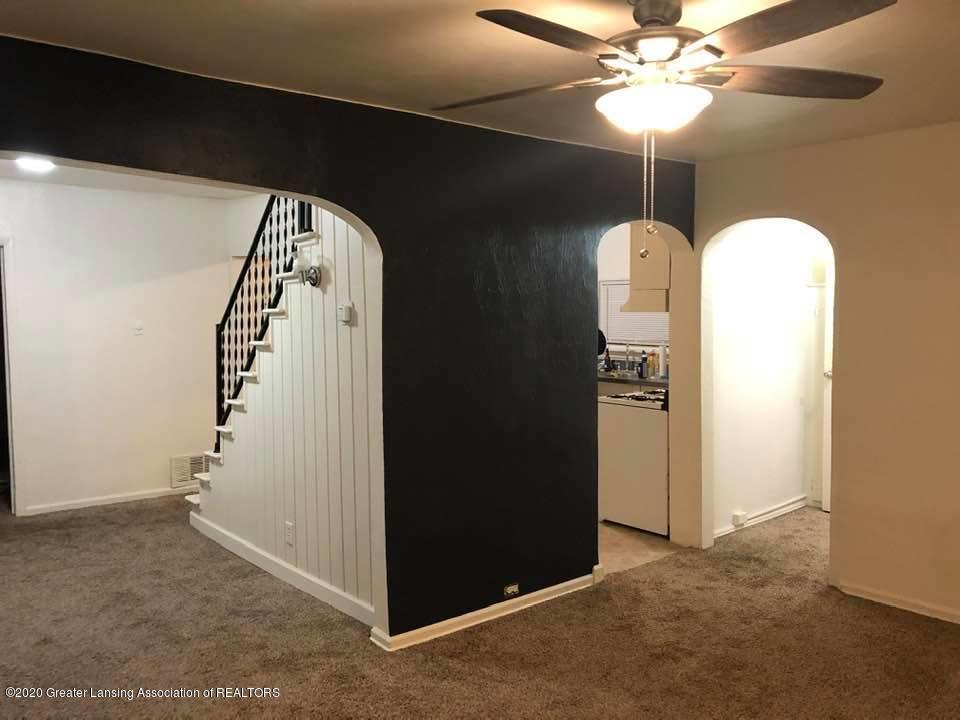 623 Grover St - Living Room - 3
