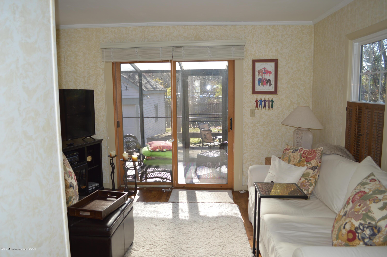 411 Marshall St - Family Room - 25