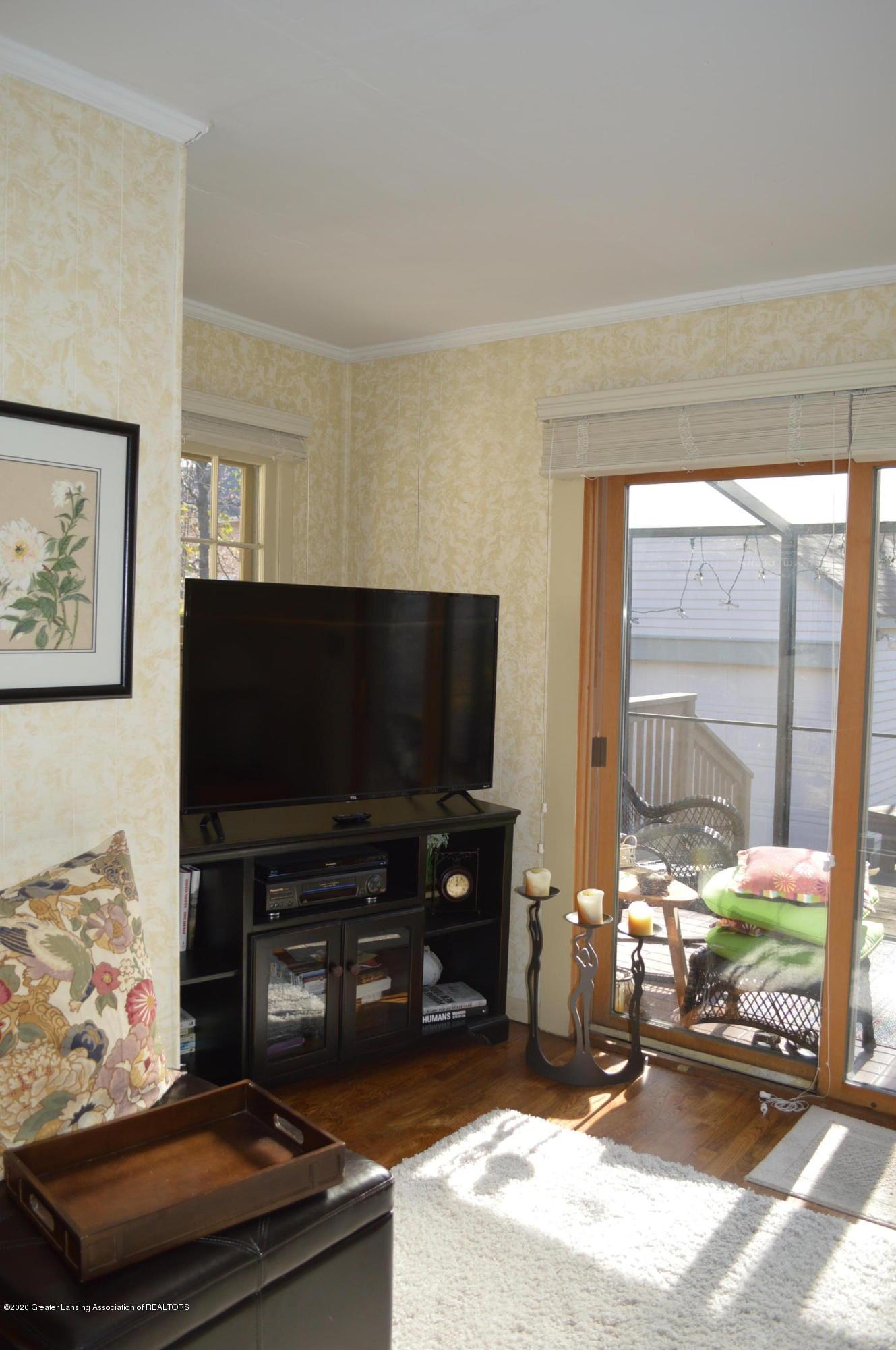 411 Marshall St - Family Room - 26
