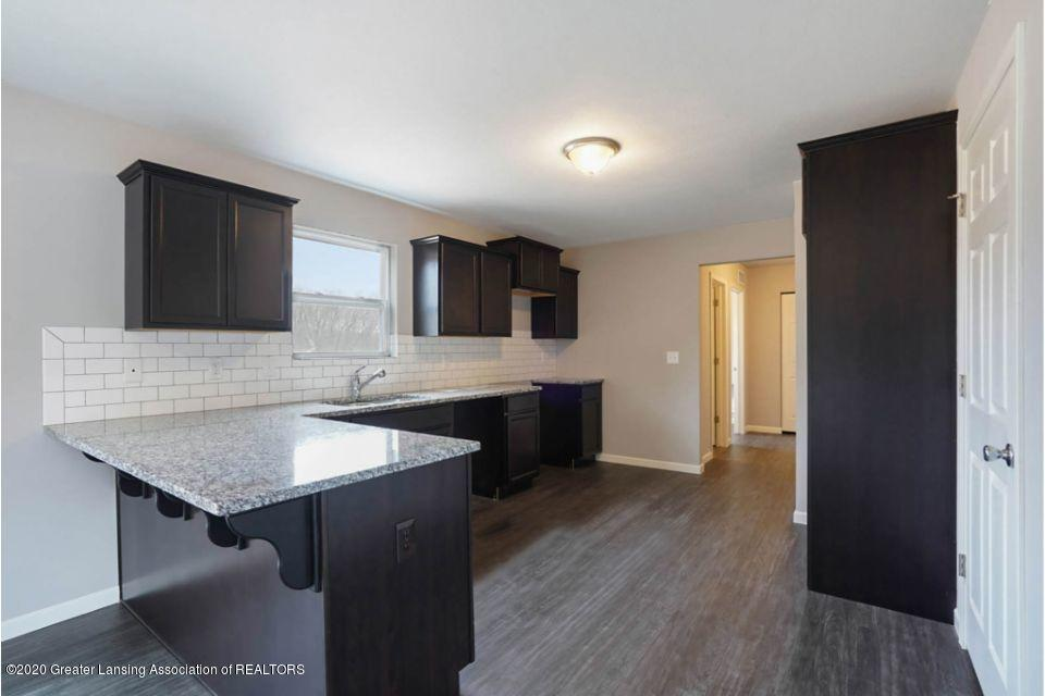 887 St Johns Chase - TWO032-i1810-Kitchen2 - 10