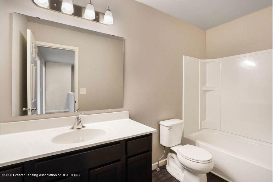 887 St Johns Chase - TWO032-i1810-Main Bath - 19