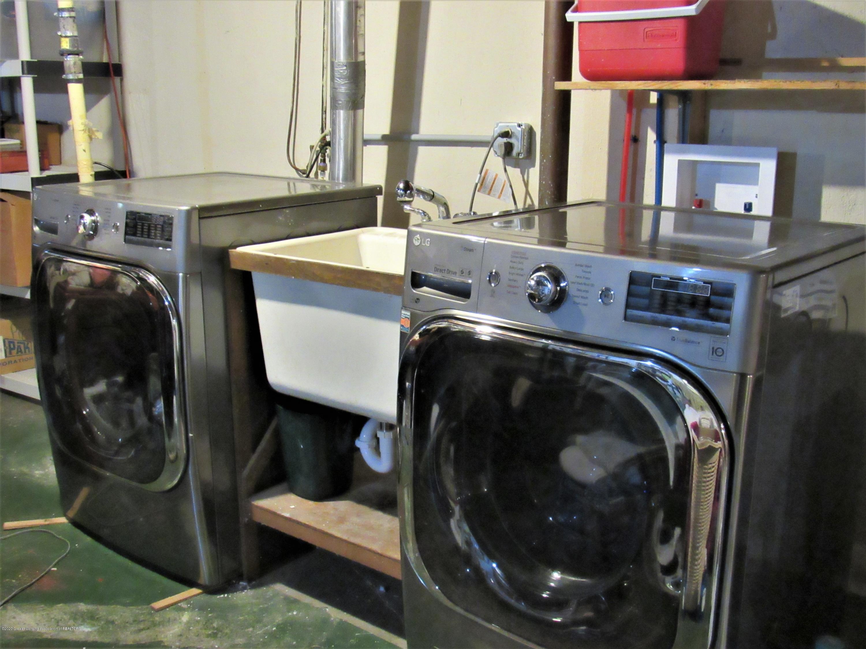 1867 Ann St - Washer/Dryer stay - 28
