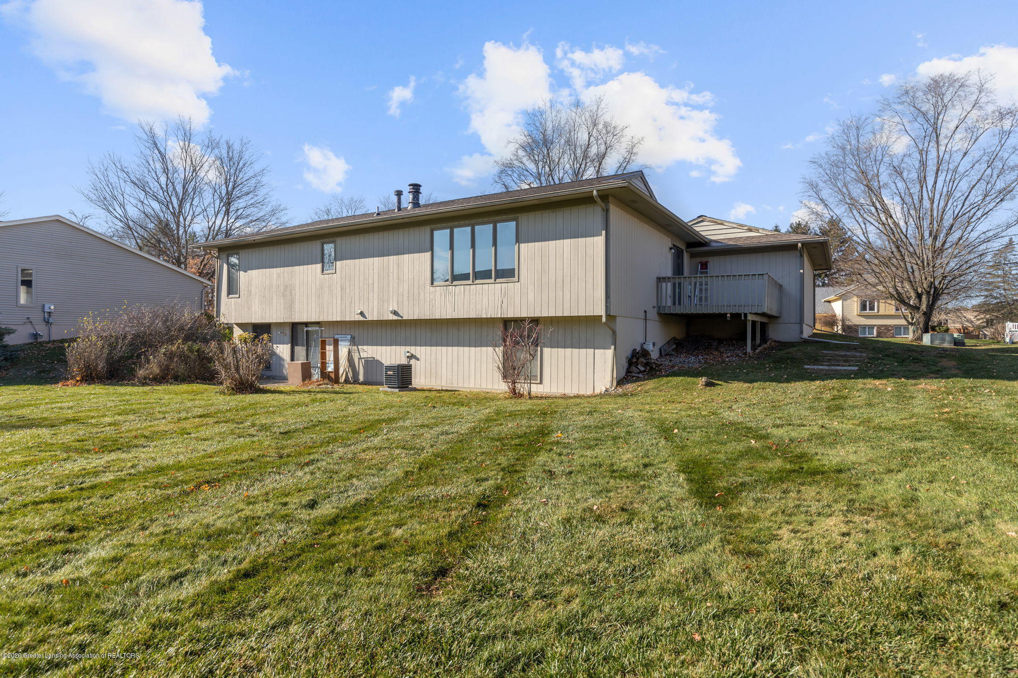 3944 Jonquil Ln - Back View - 36