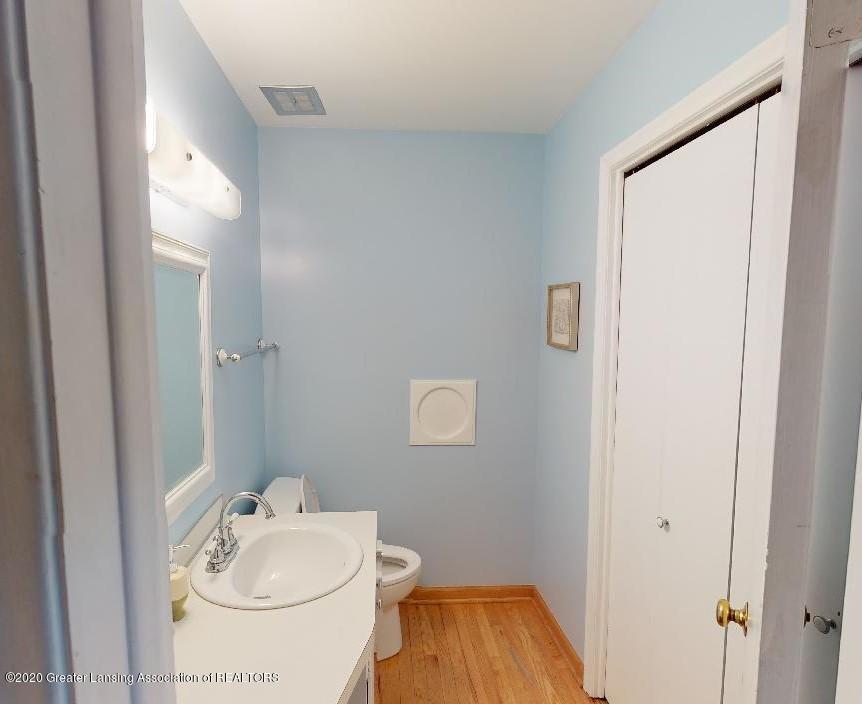 815 Darlington Ave - Half bath - 15