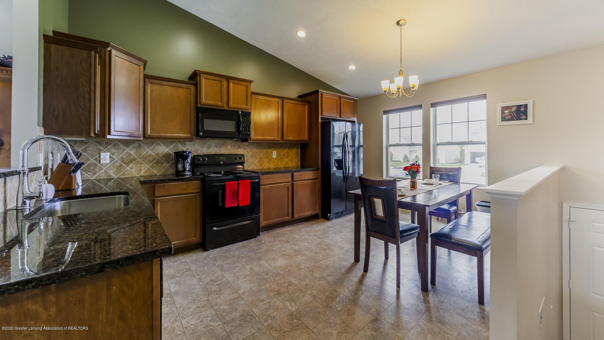15845 Turnberry St - 15845Turnberry06 - 6