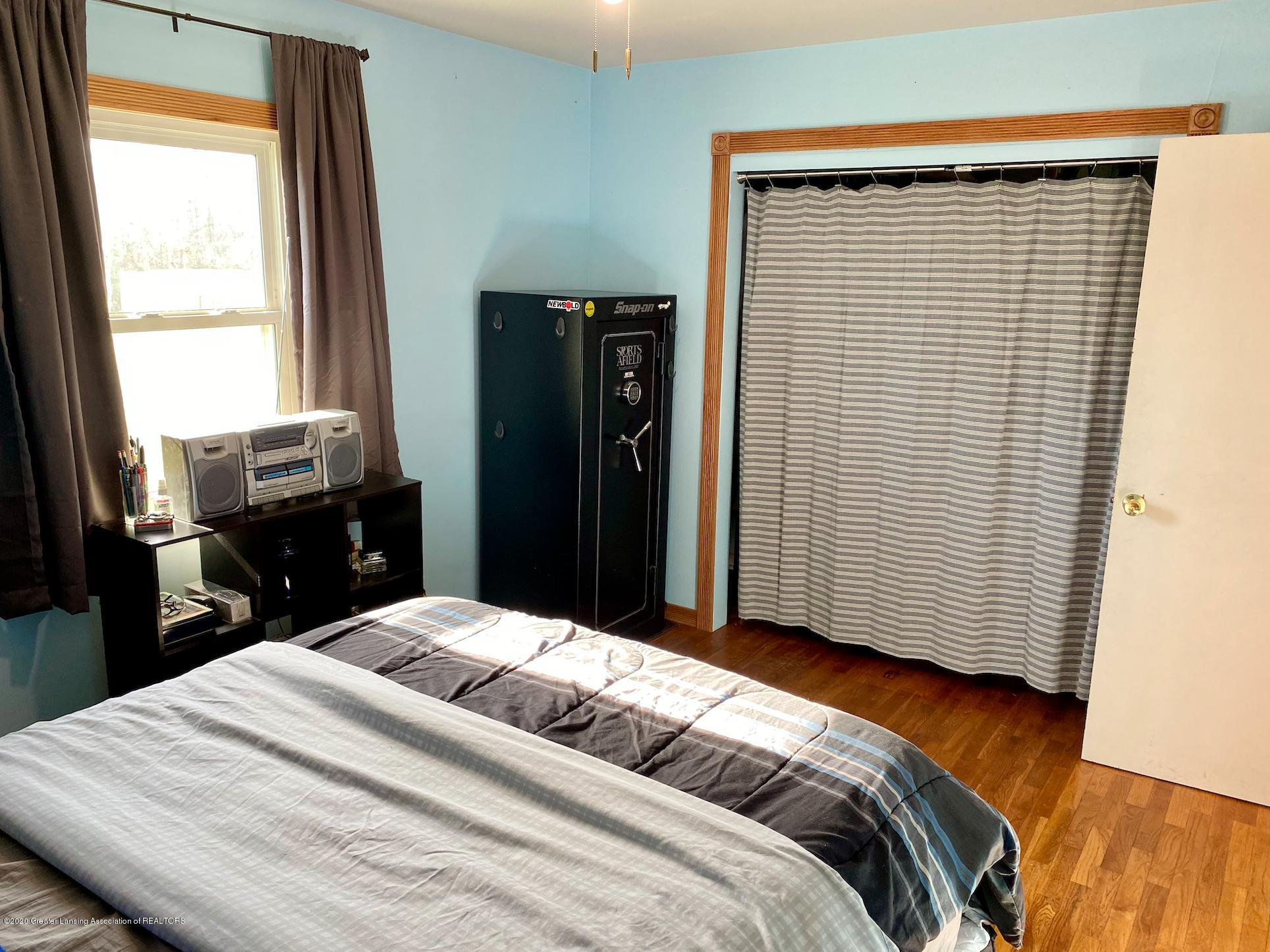 1505 Guenther Ave - Master Bedroom - 20