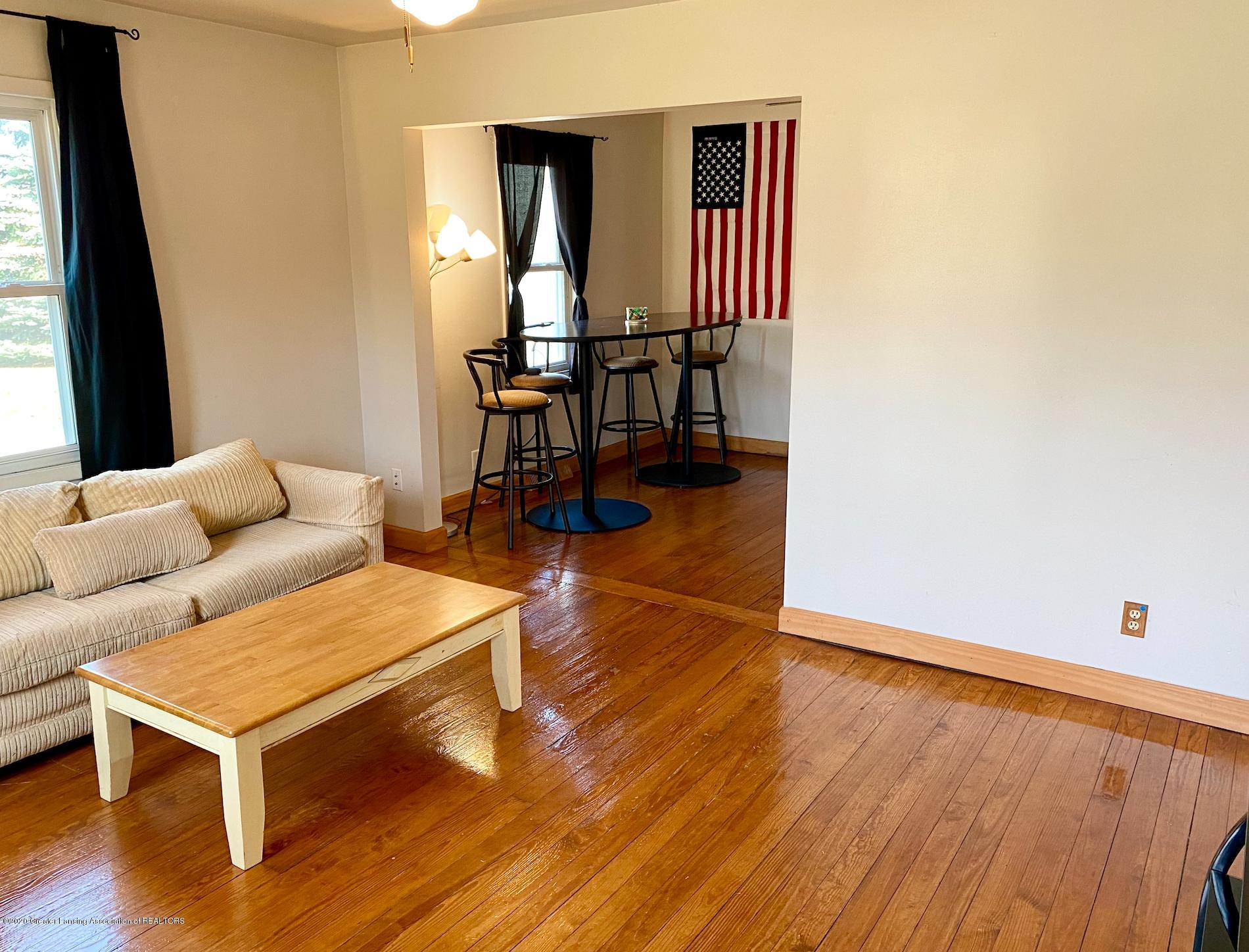 1505 Guenther Ave - Living Room - 5