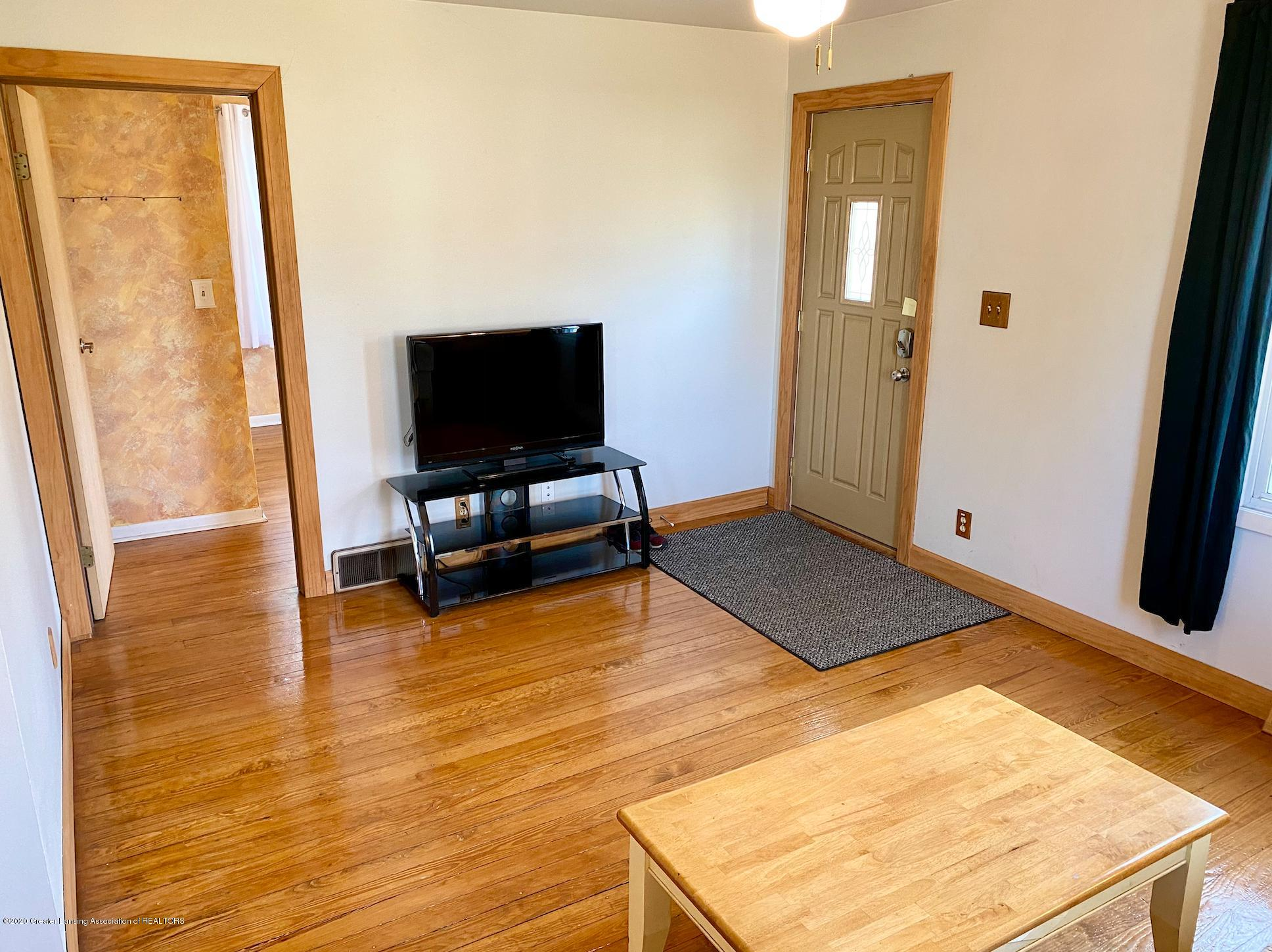 1505 Guenther Ave - Living Room - 7