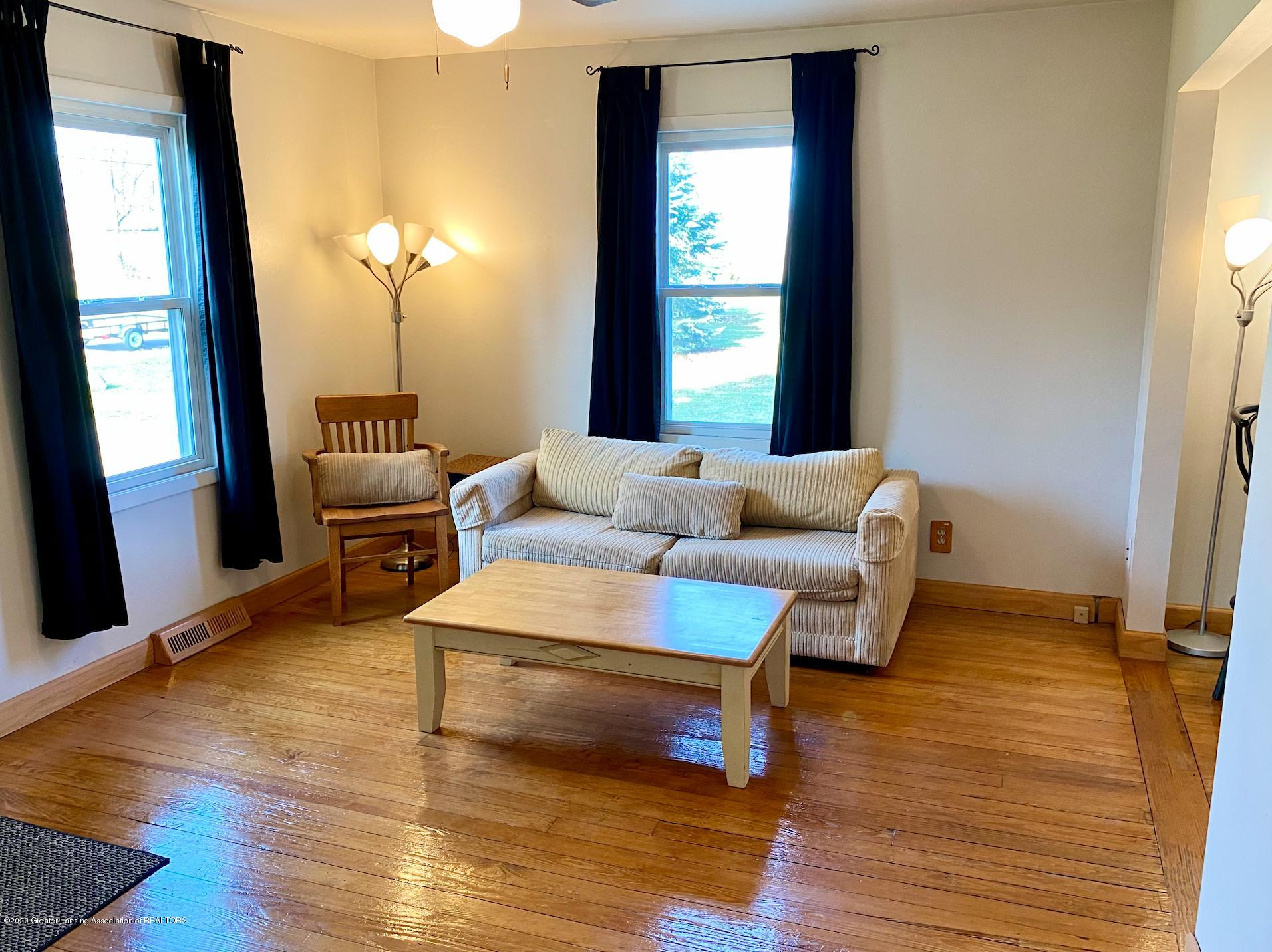 1505 Guenther Ave - Living Room - 4