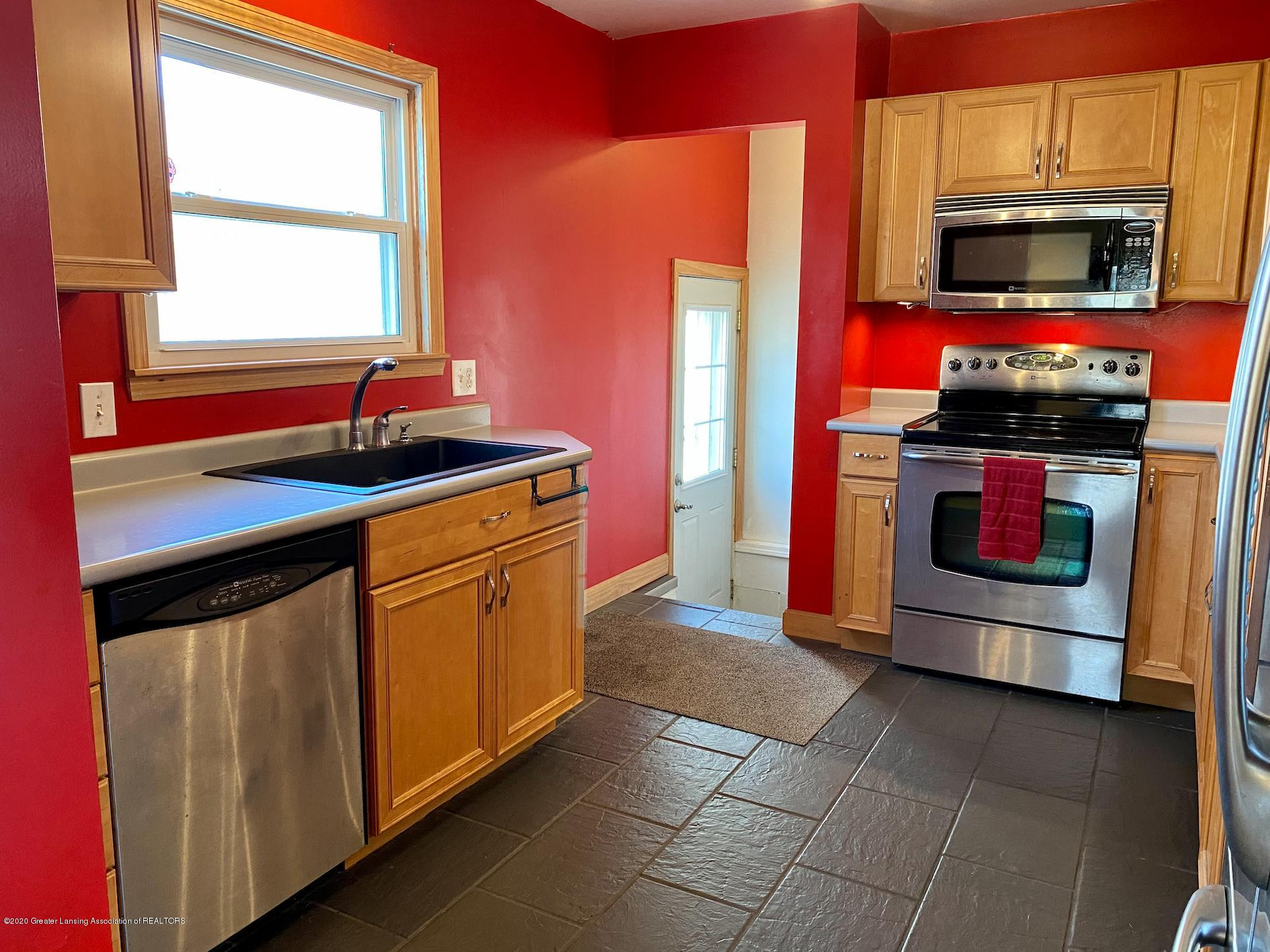 1505 Guenther Ave - Kitchen - 16