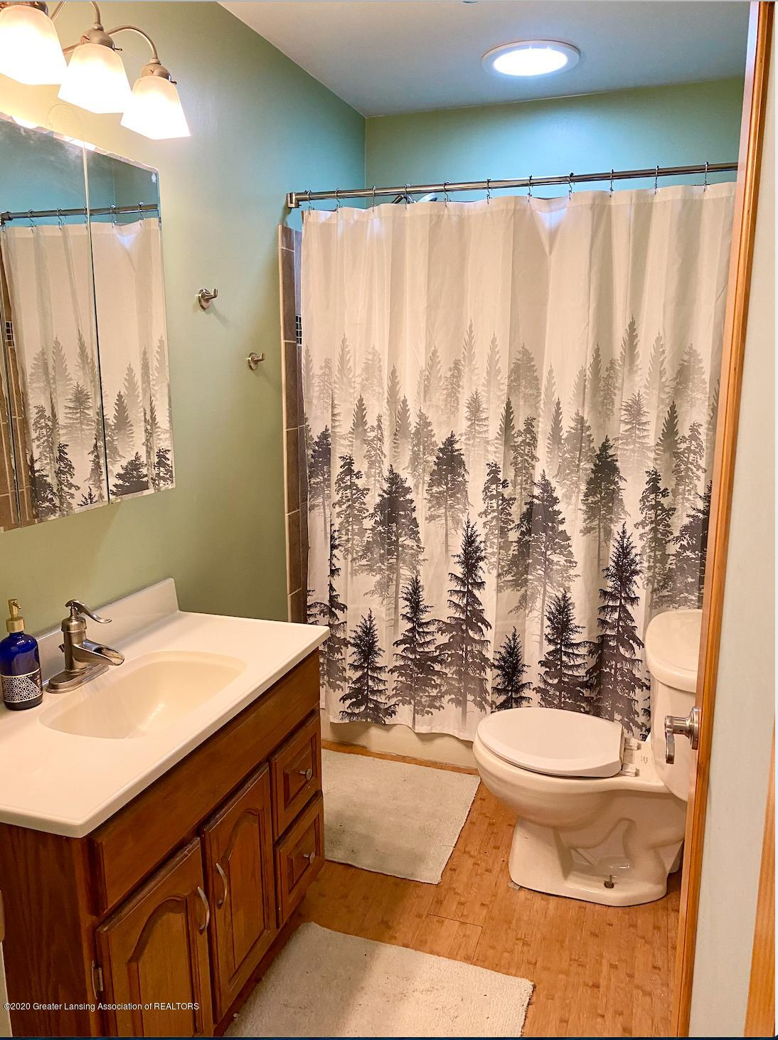 1505 Guenther Ave - Bathroom - 22