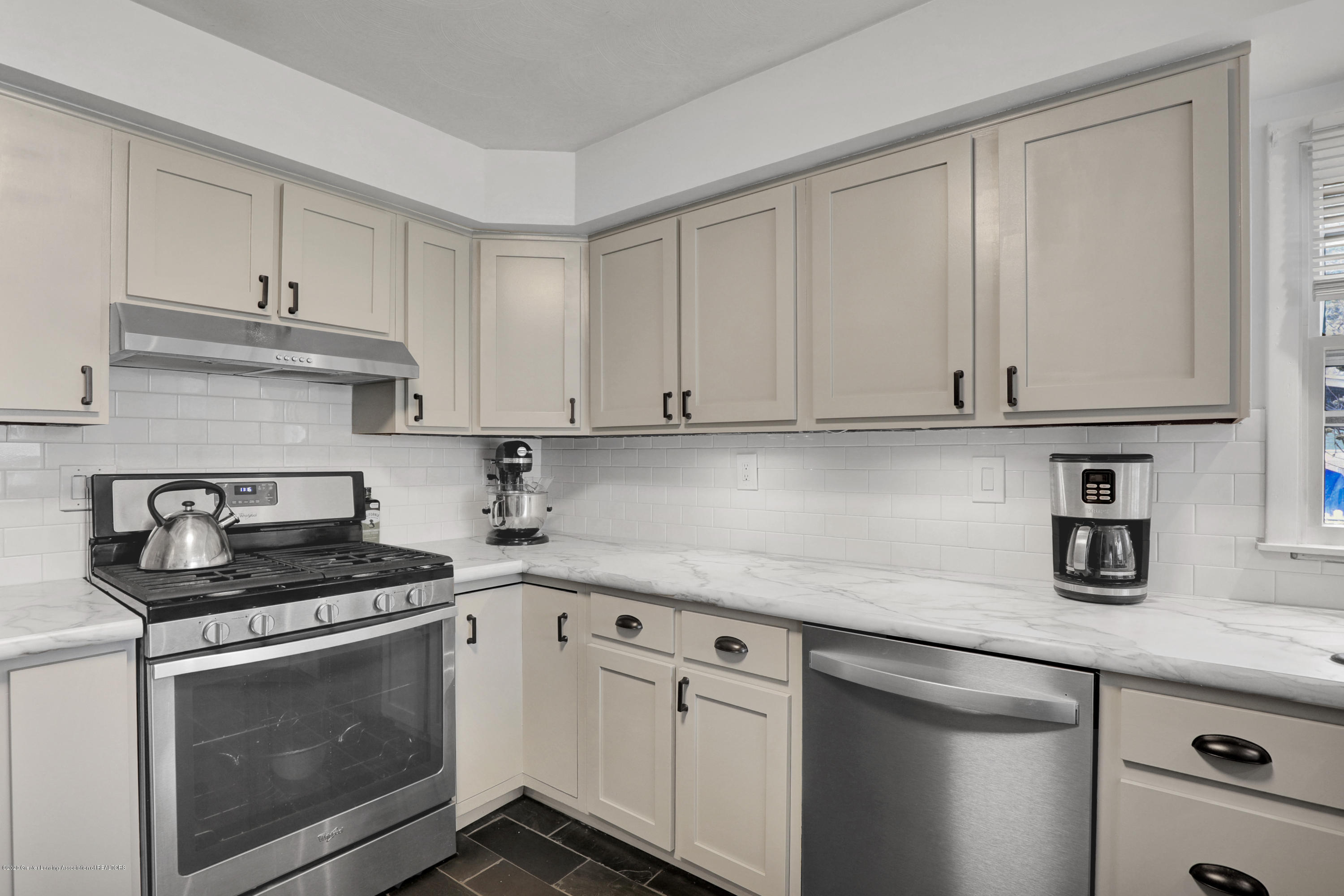 314 Wilson St - Kitchen - 11