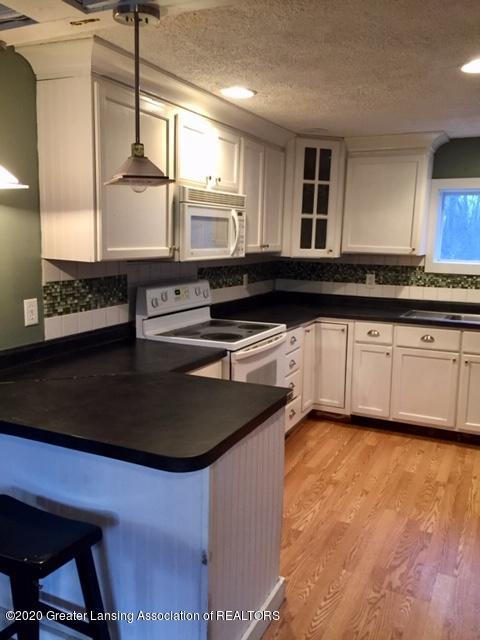 834 Mason St - kitchen - 8