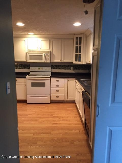 834 Mason St - kitchen - 9