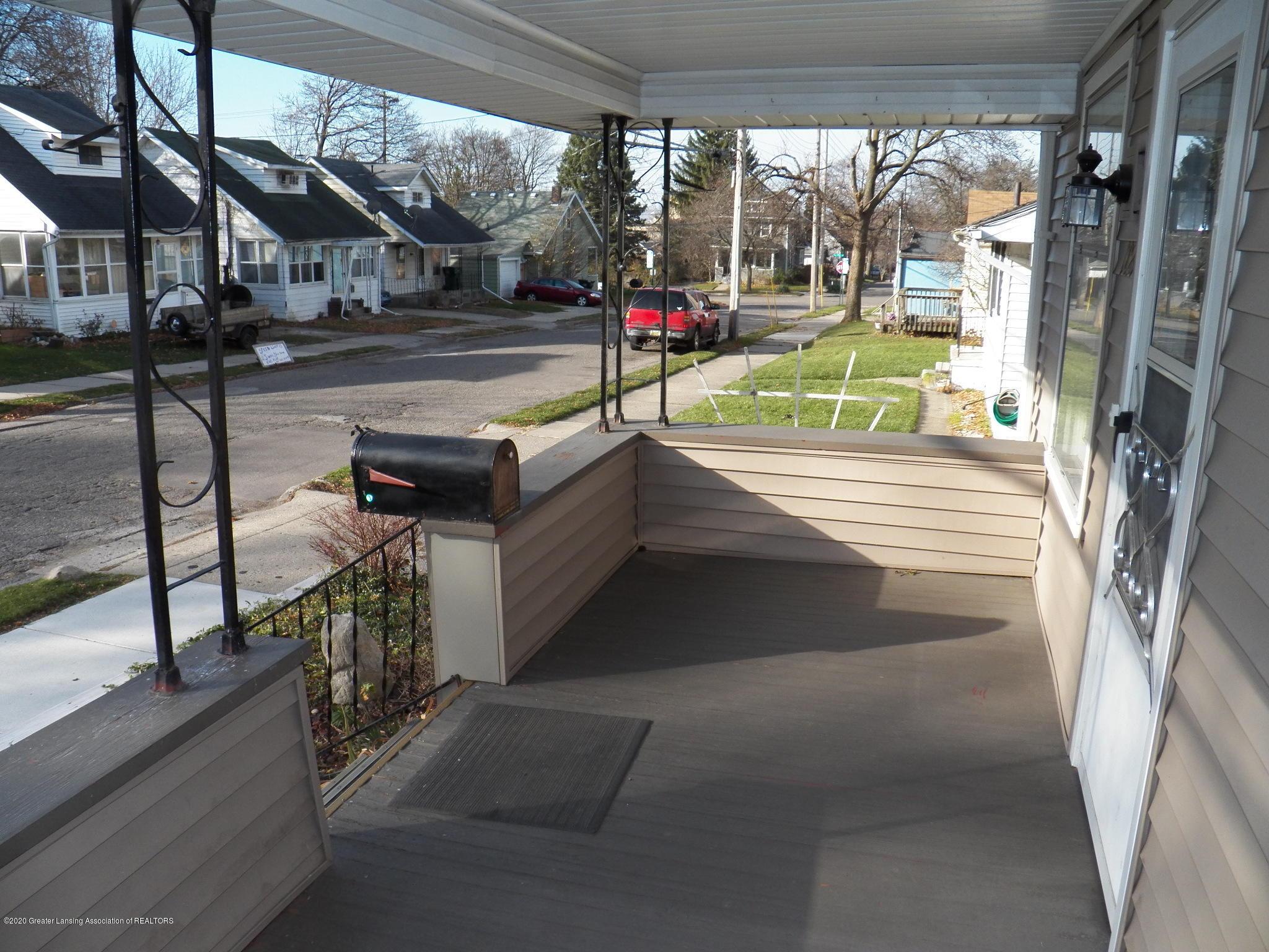 1021 E North St - porch - 17