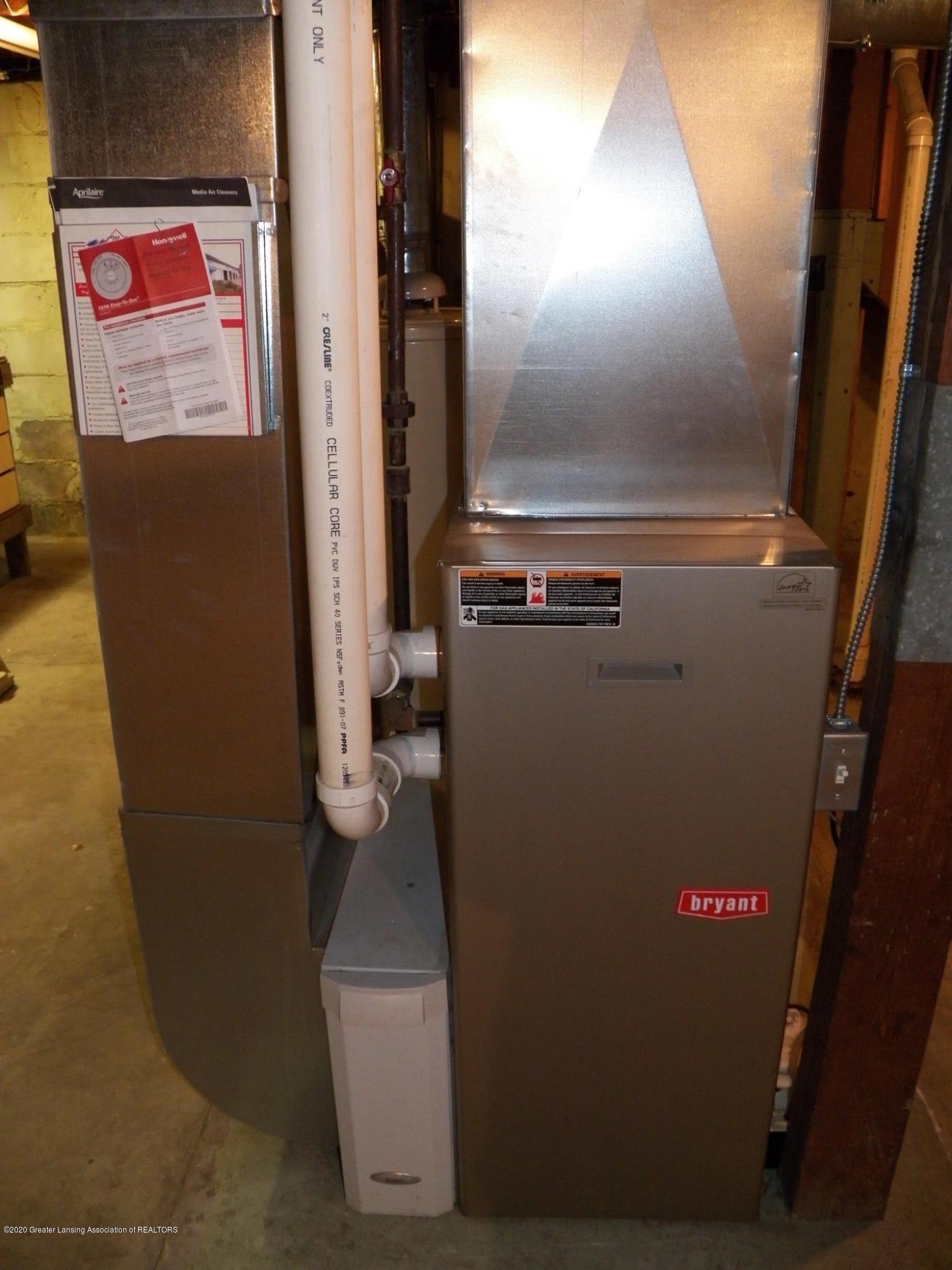 1021 E North St - furnace - 19