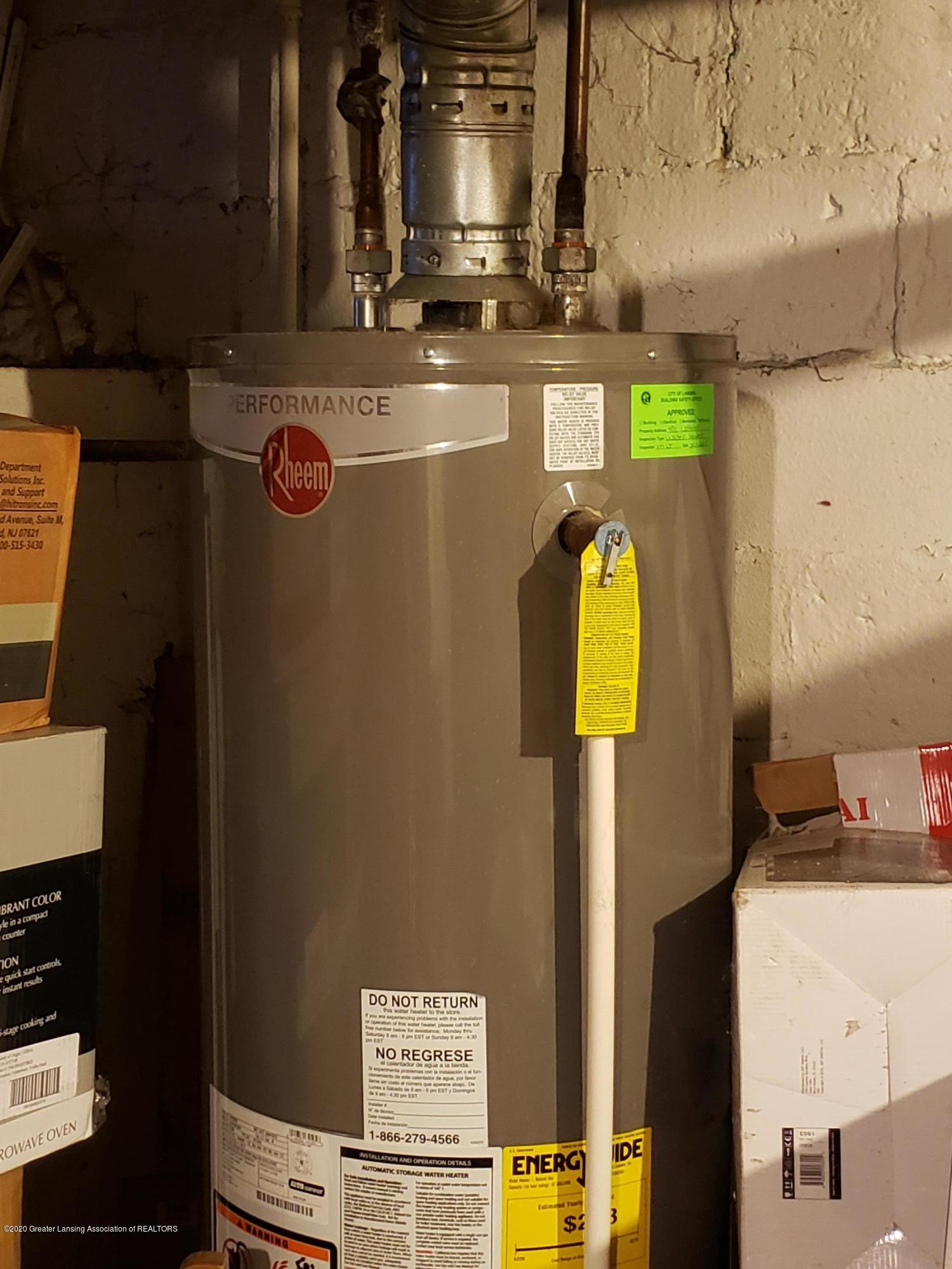 401 Lathrop St - 29 Newer Hot Water Heater - 24