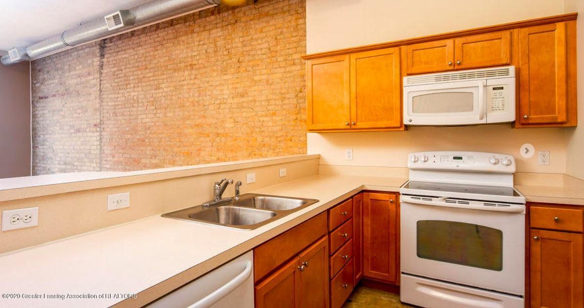 108 S Main St - Apartment - 11