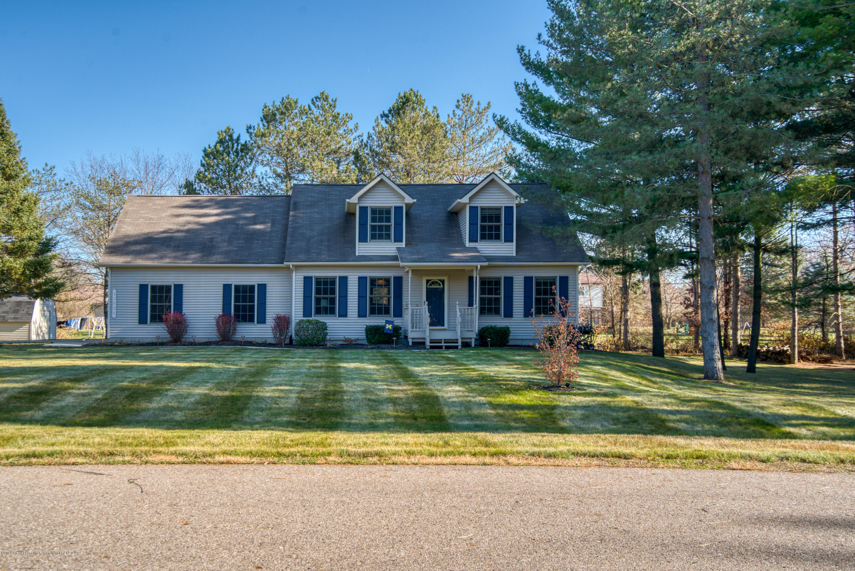 12575 Red Pine Ln - Front - 1