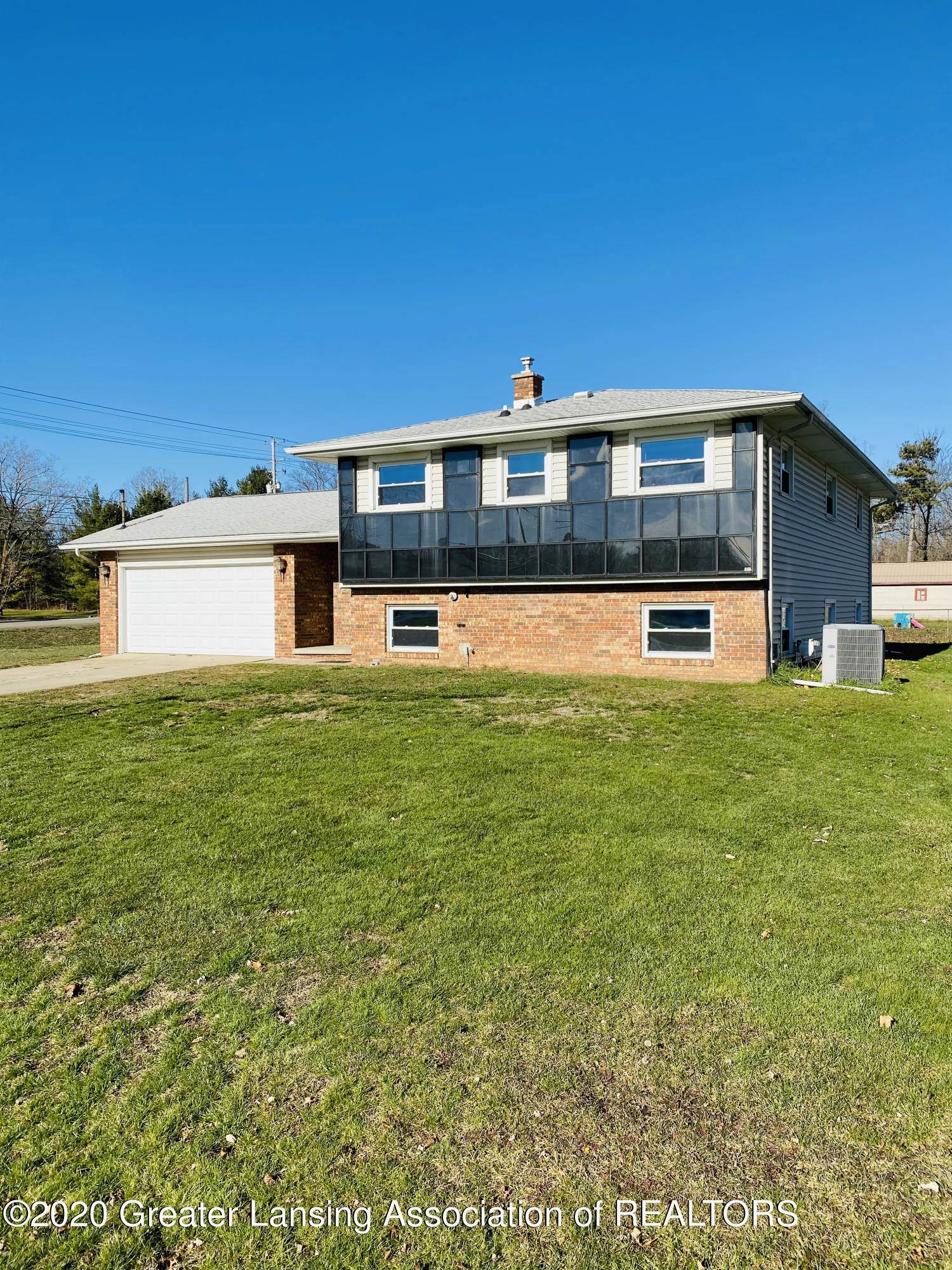4490 Dell Rd - Front - 1