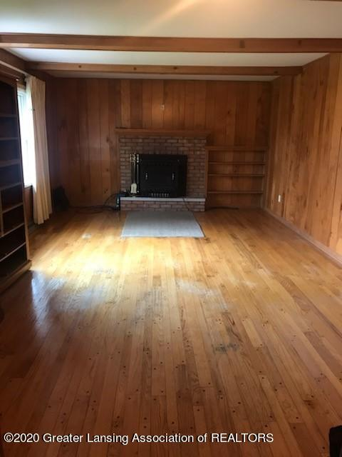 6196 Willow Hwy - FAMILY ROOM - 5