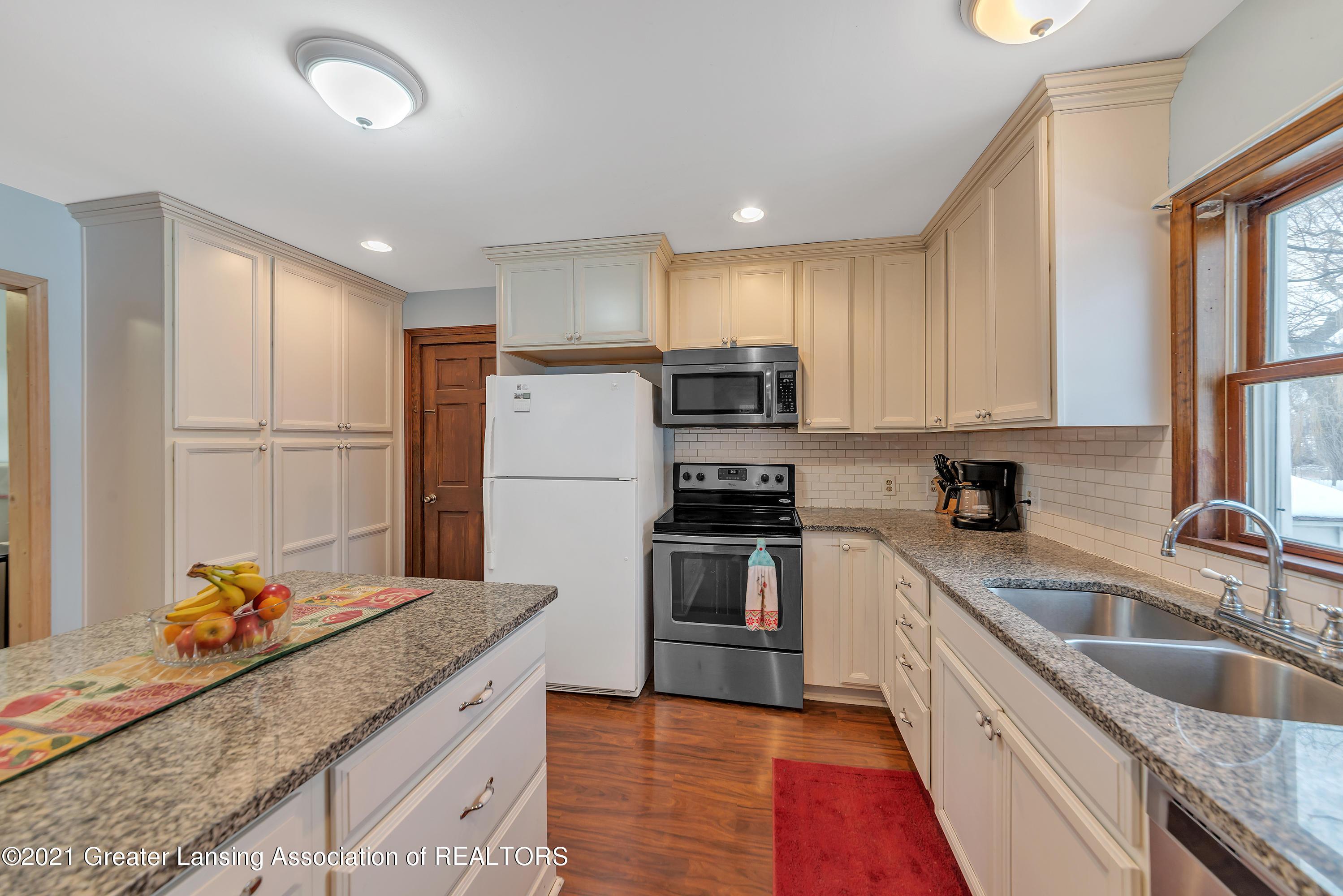 7779 E Mt Hope Hwy - Kitchen - 10