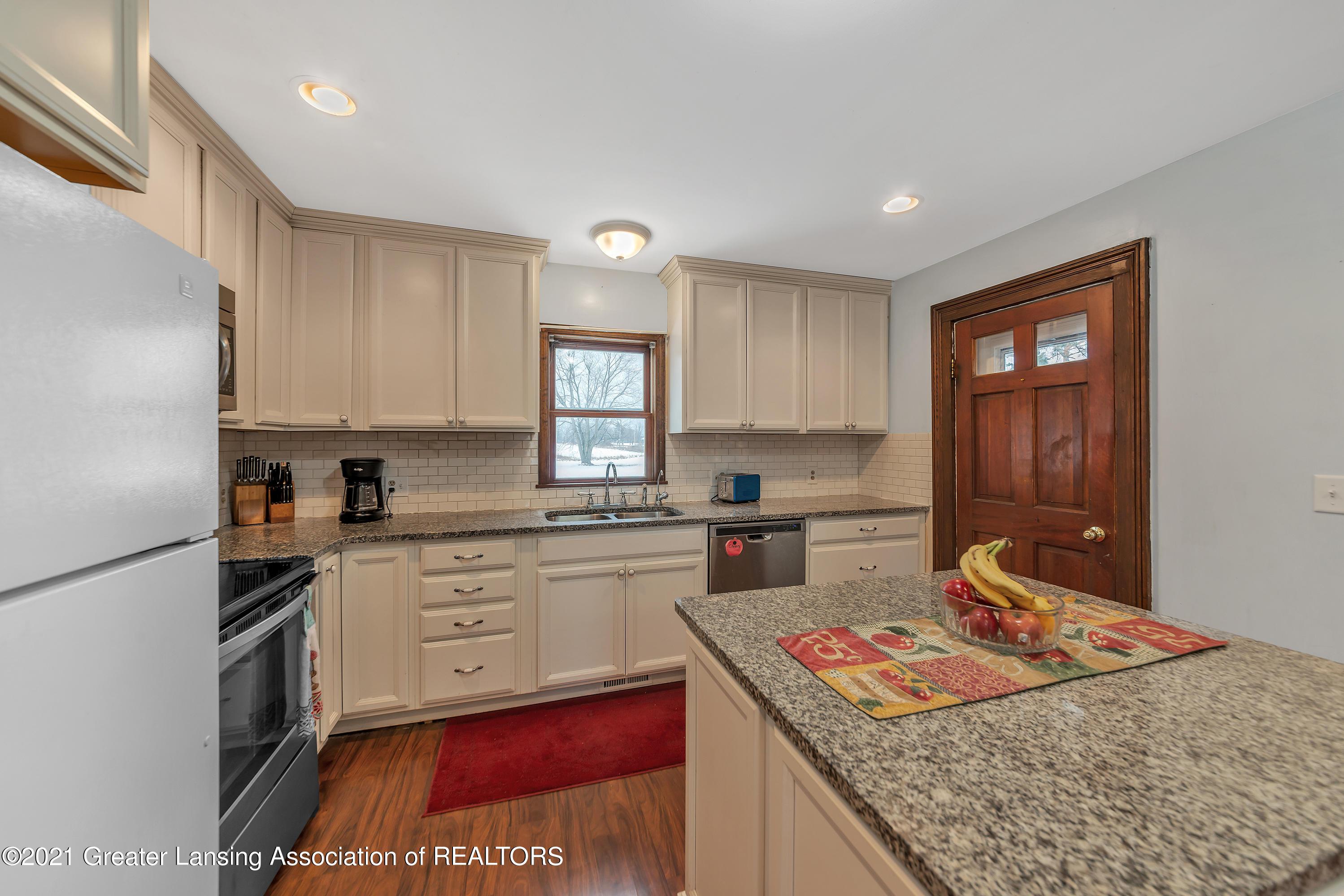 7779 E Mt Hope Hwy - Kitchen - 14